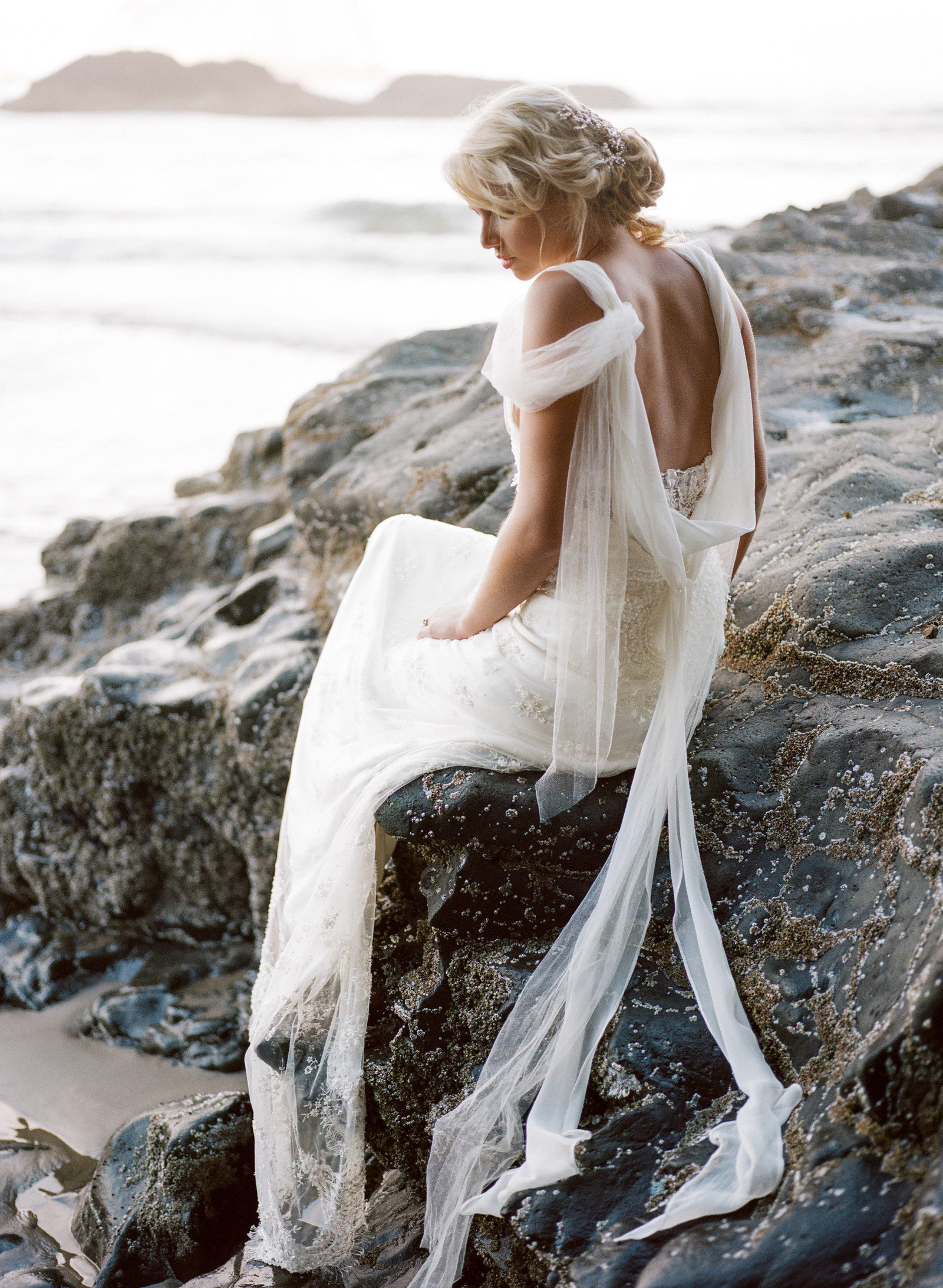 Galatea_romantic_beach_oregon_coast_wedding_dress_JoanneFlemingDesign11