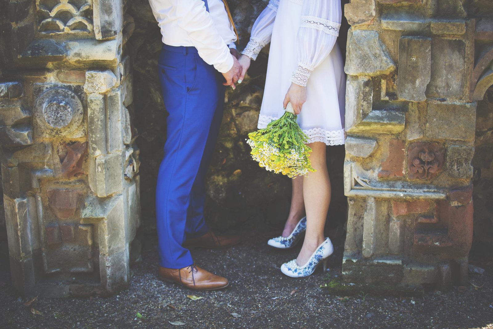 Wedding couple in plantation garden in Norwich