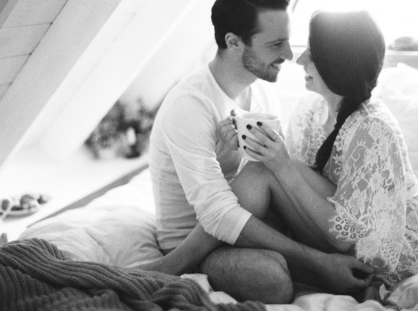 breakfast-in-bed-couples-boudoir-melanie-gabrielle-photography-44