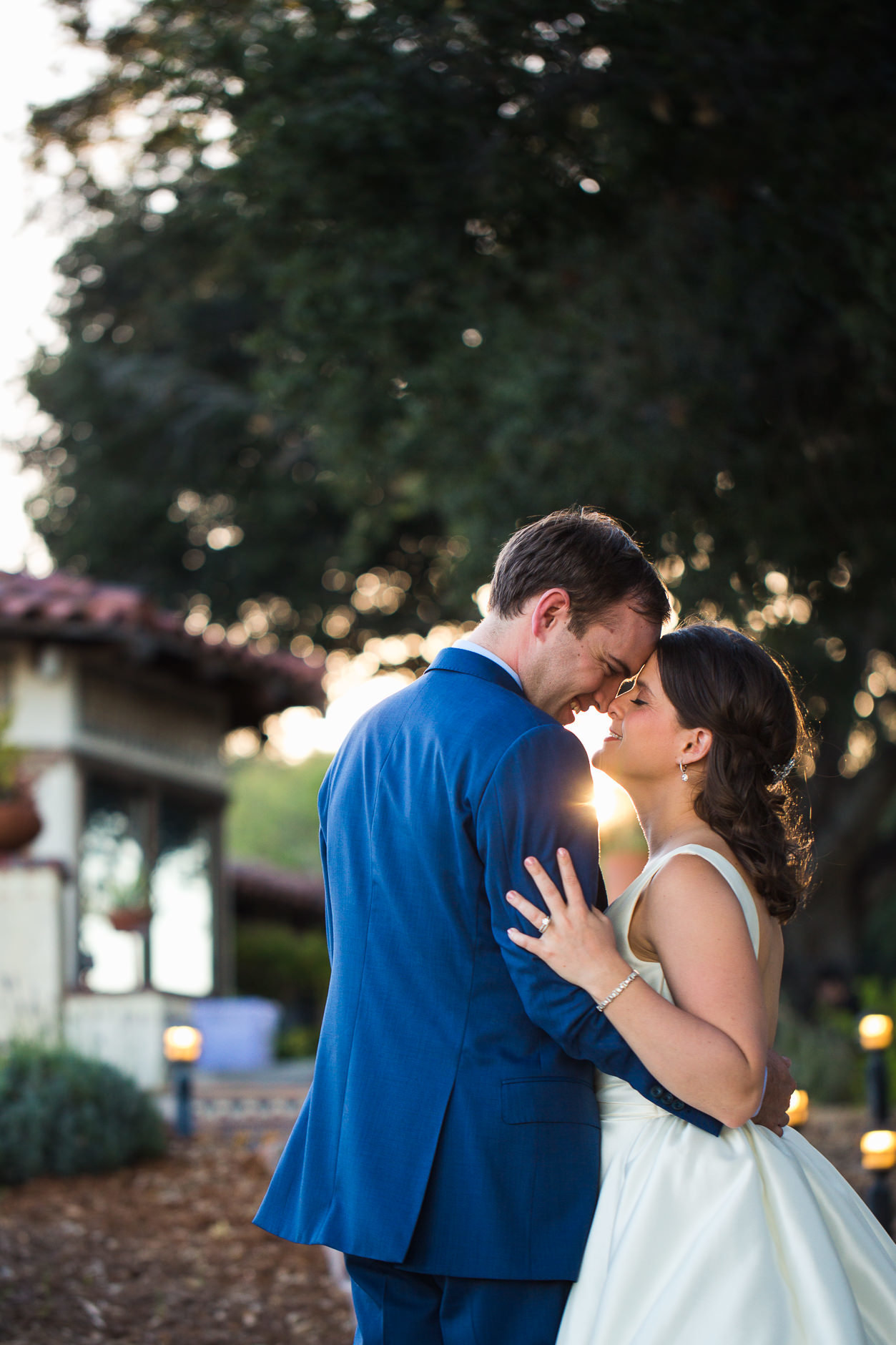 san-francisco-wedding-photographer-bride-and-groom-at-sunset
