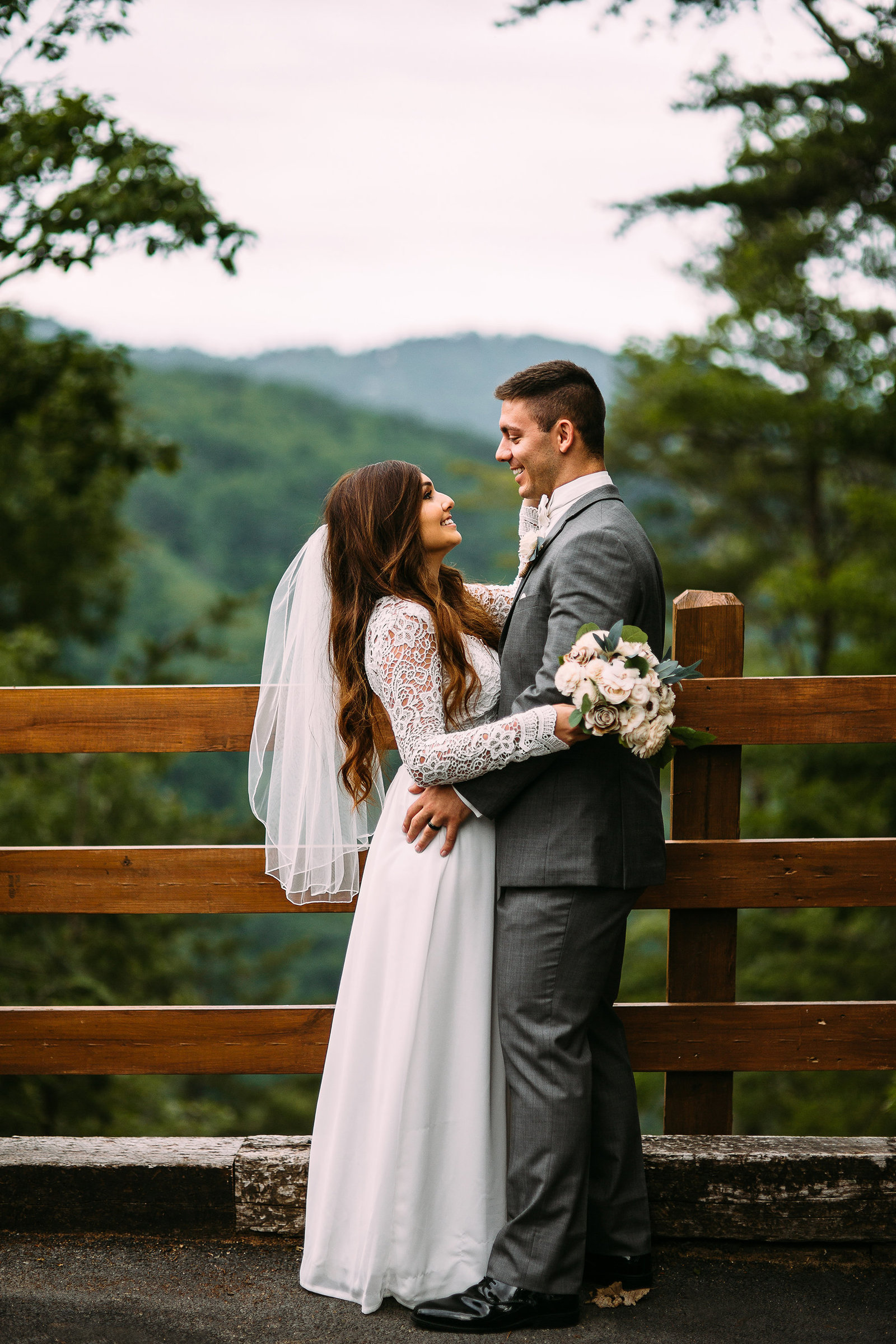 SaraLane-Stevie-Wedding-Elopement-Mountain-Photography-Graciela-Austin-LR-34PS-SMALL
