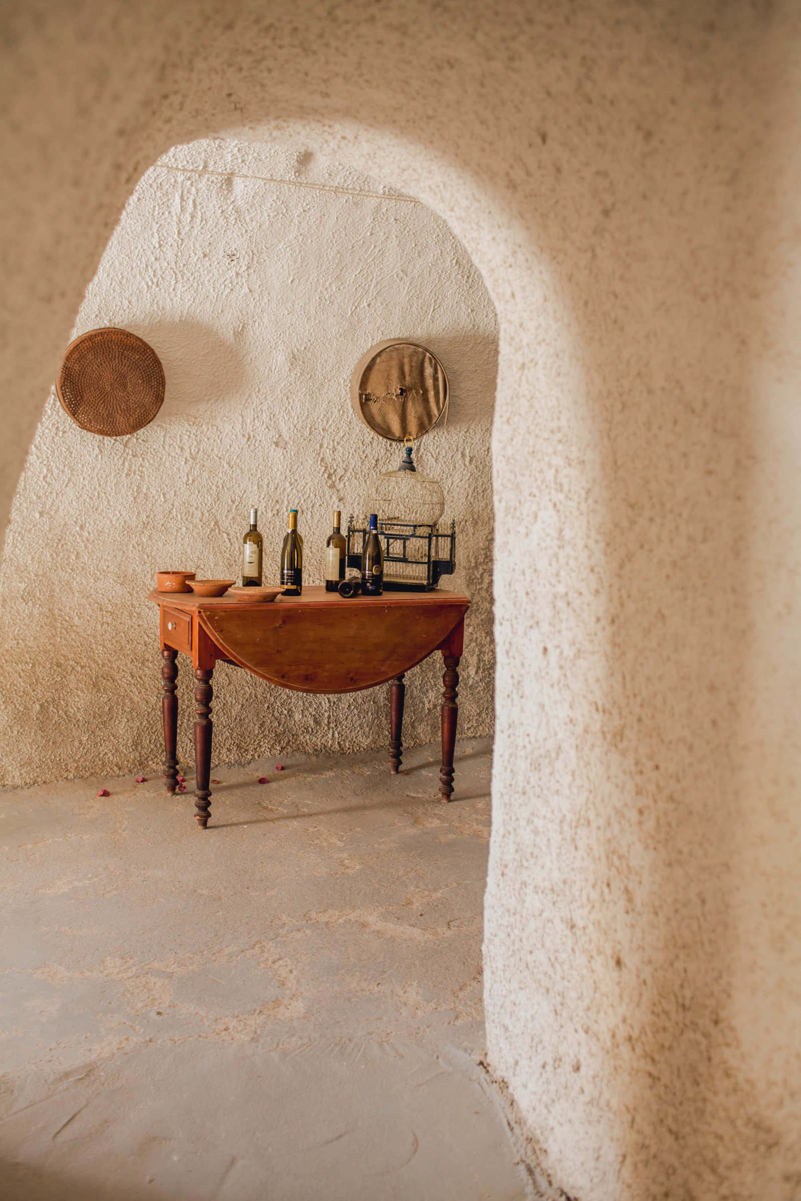 wine-museum-fira-destination-travel-santorini-wedding-kate-timbers-photo-2790