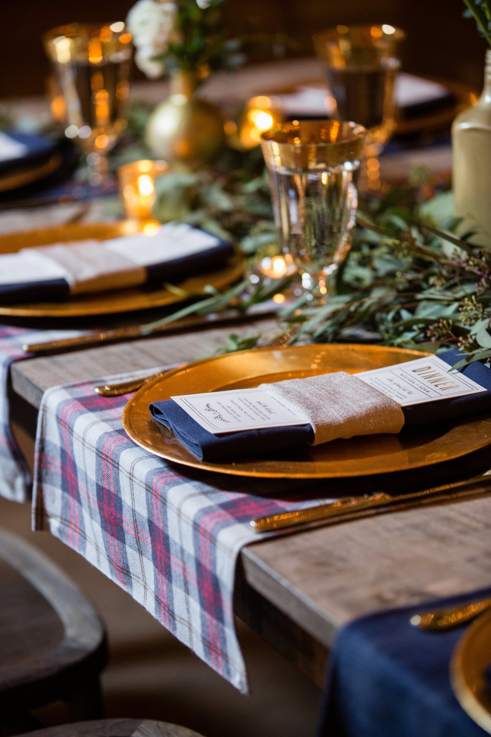 plaid-place-settings-wedding