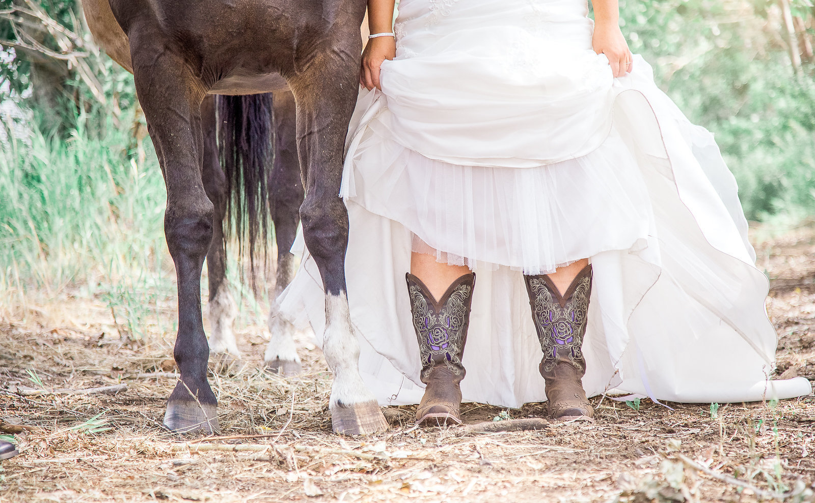a-la-carte-services-kaycee-ann-wedding-photographer-country-bride
