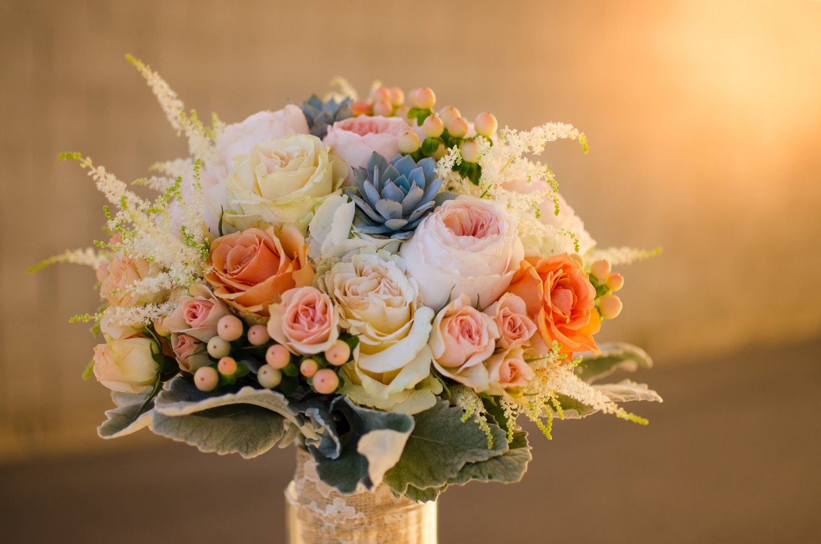 Premier wedding florist specializing in creative  and unique floral designs. Serving Gilbert, Mesa, Chandler, Gold Canyon, Tempe, Phoenix and the surrounding area.