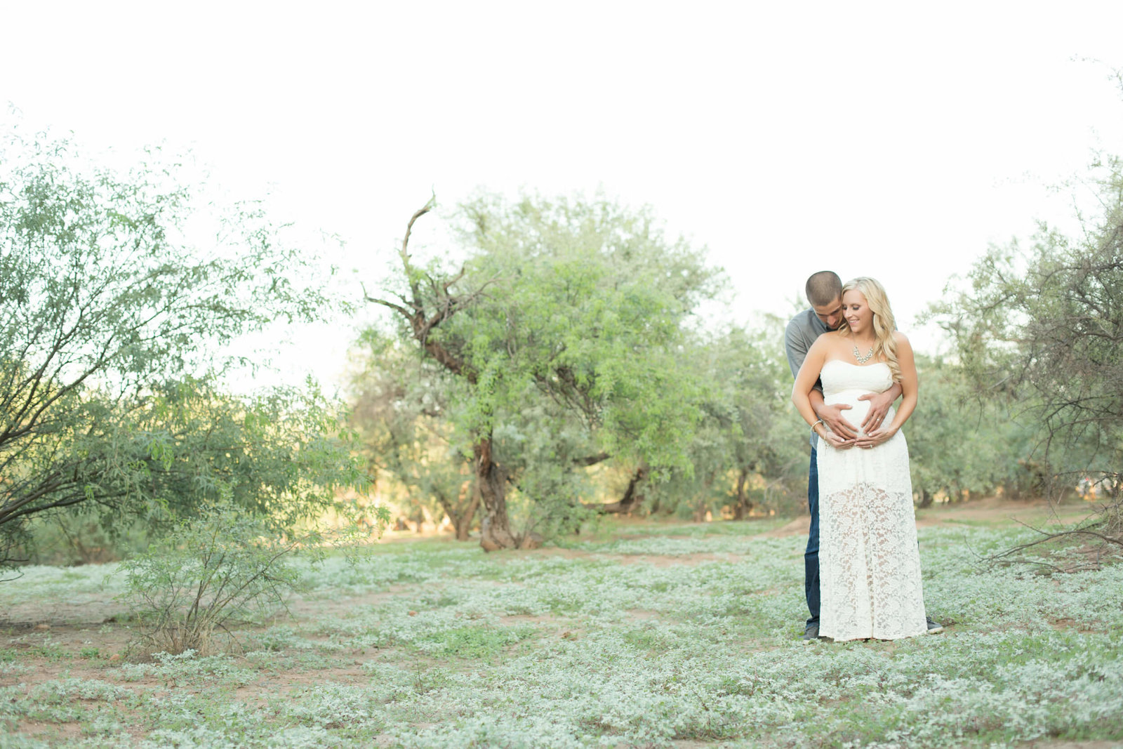outdoor couples maternity photographer