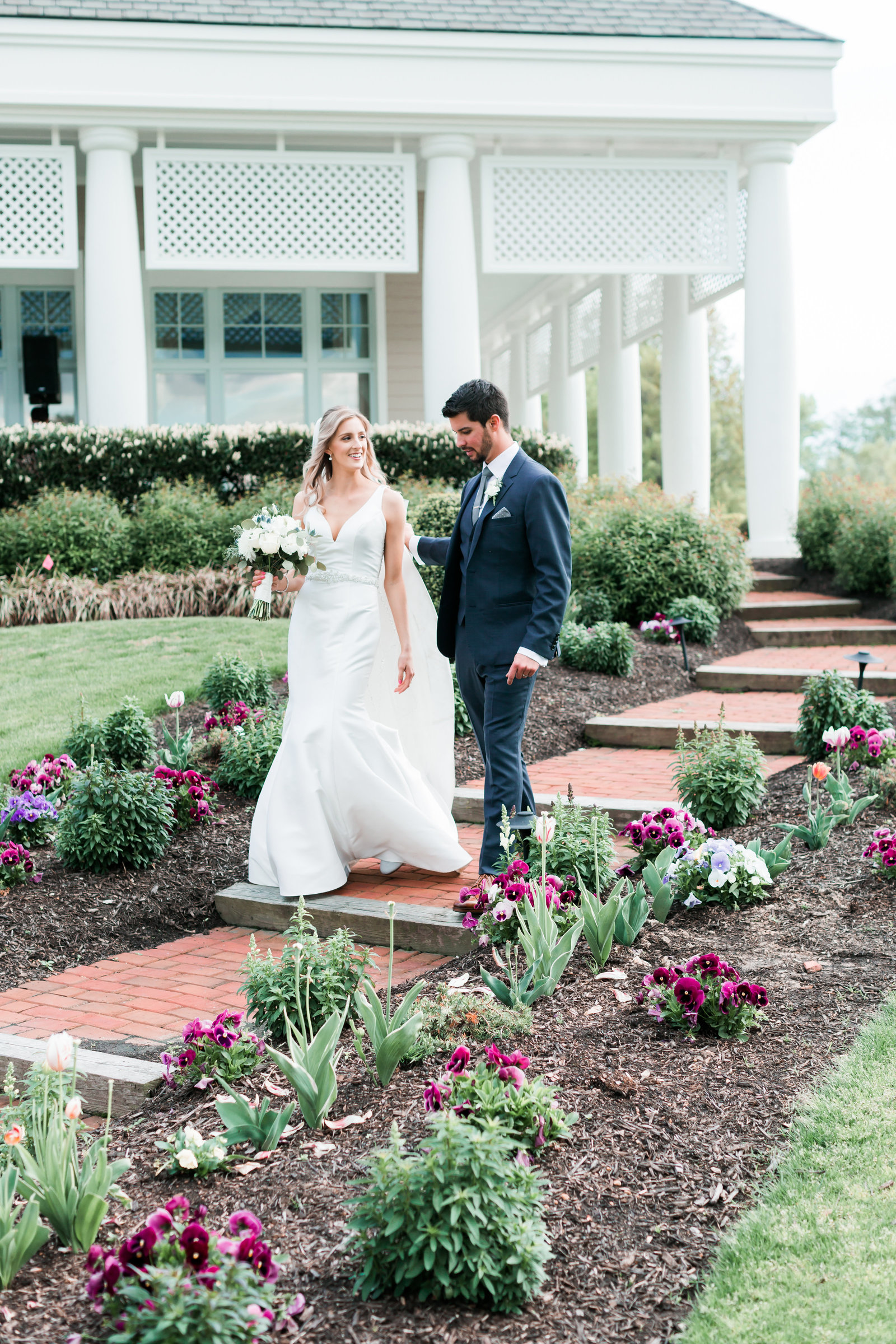 Two Rivers Country Club Classic Spring Wedding by Elizabeth Friske Photography-12