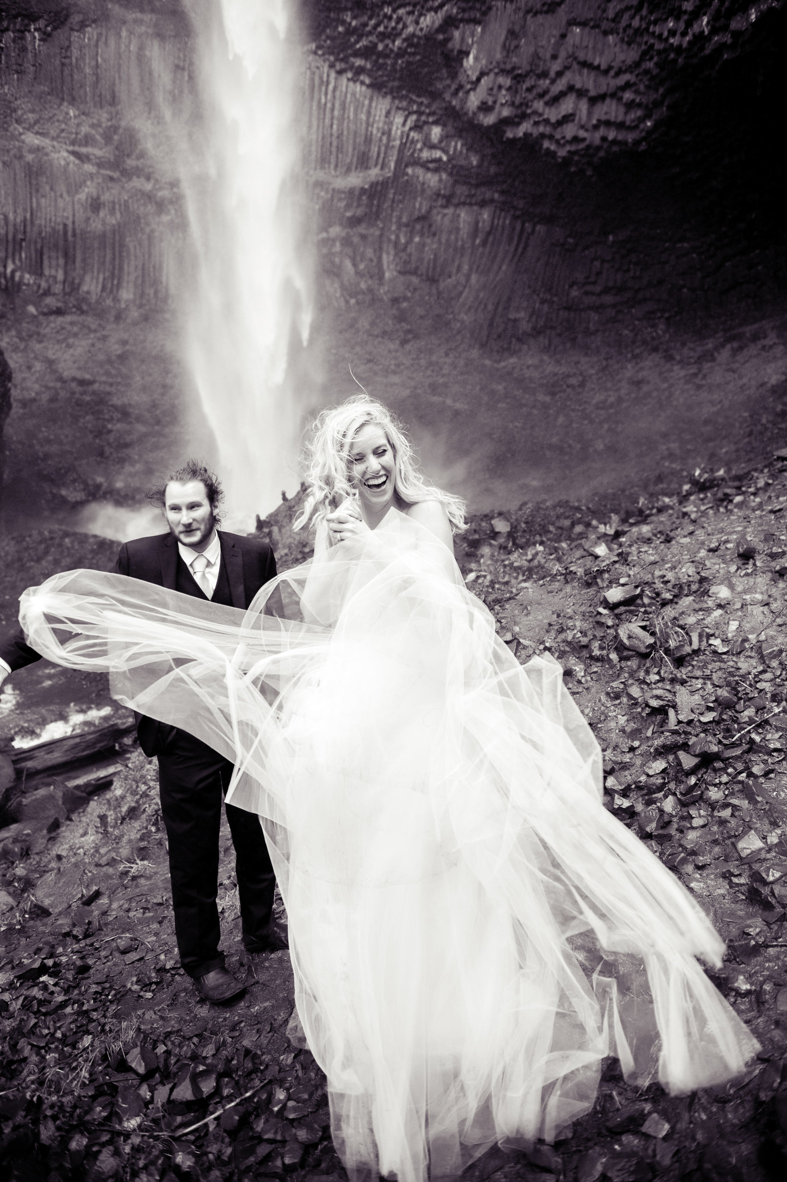 Crystal Genes Photography LATOURELL FALLS ELOPEMENT170421-160123