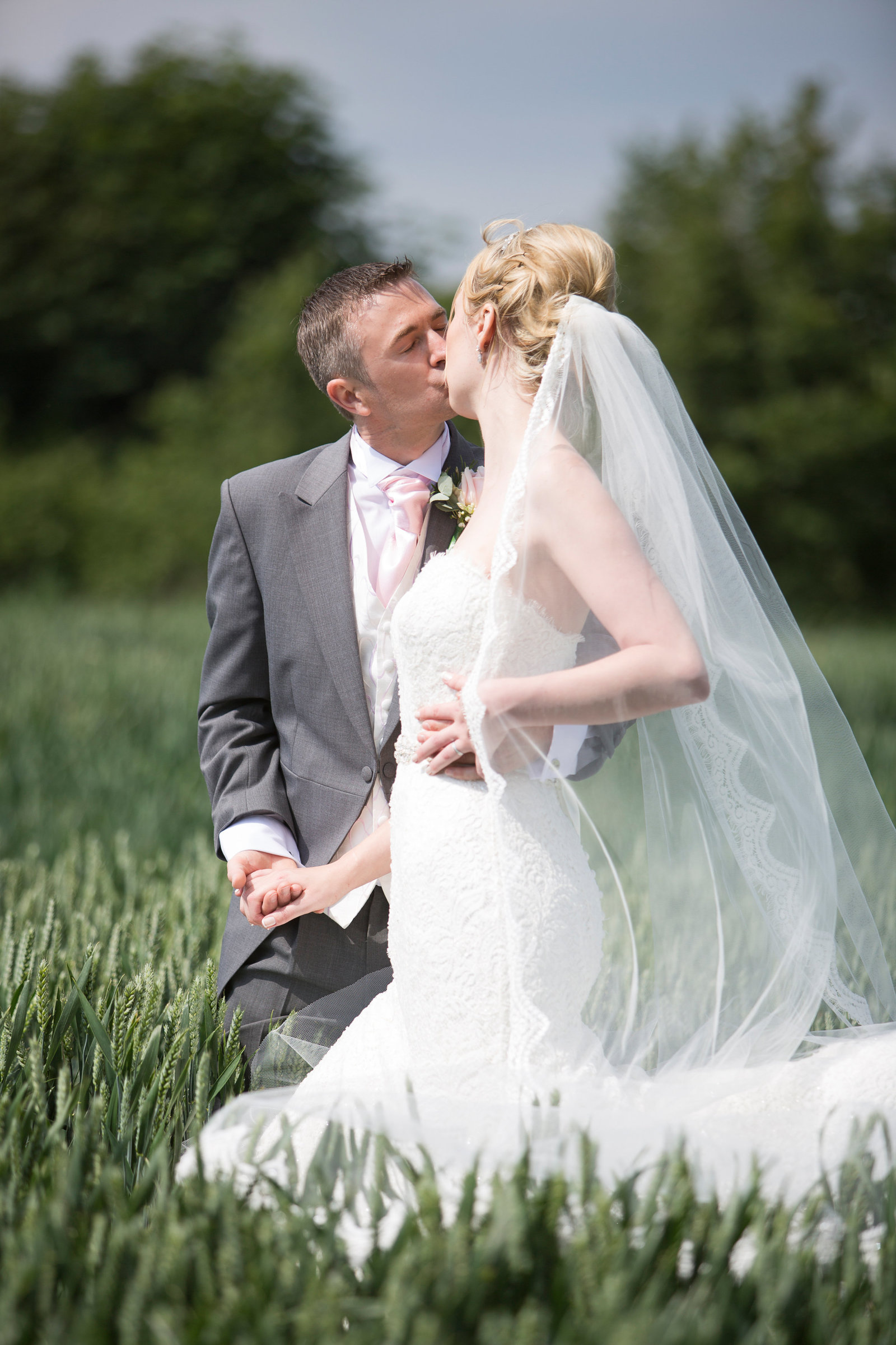 adorlee-0708-southend-barns-wedding-photographer-chichester-west-sussex
