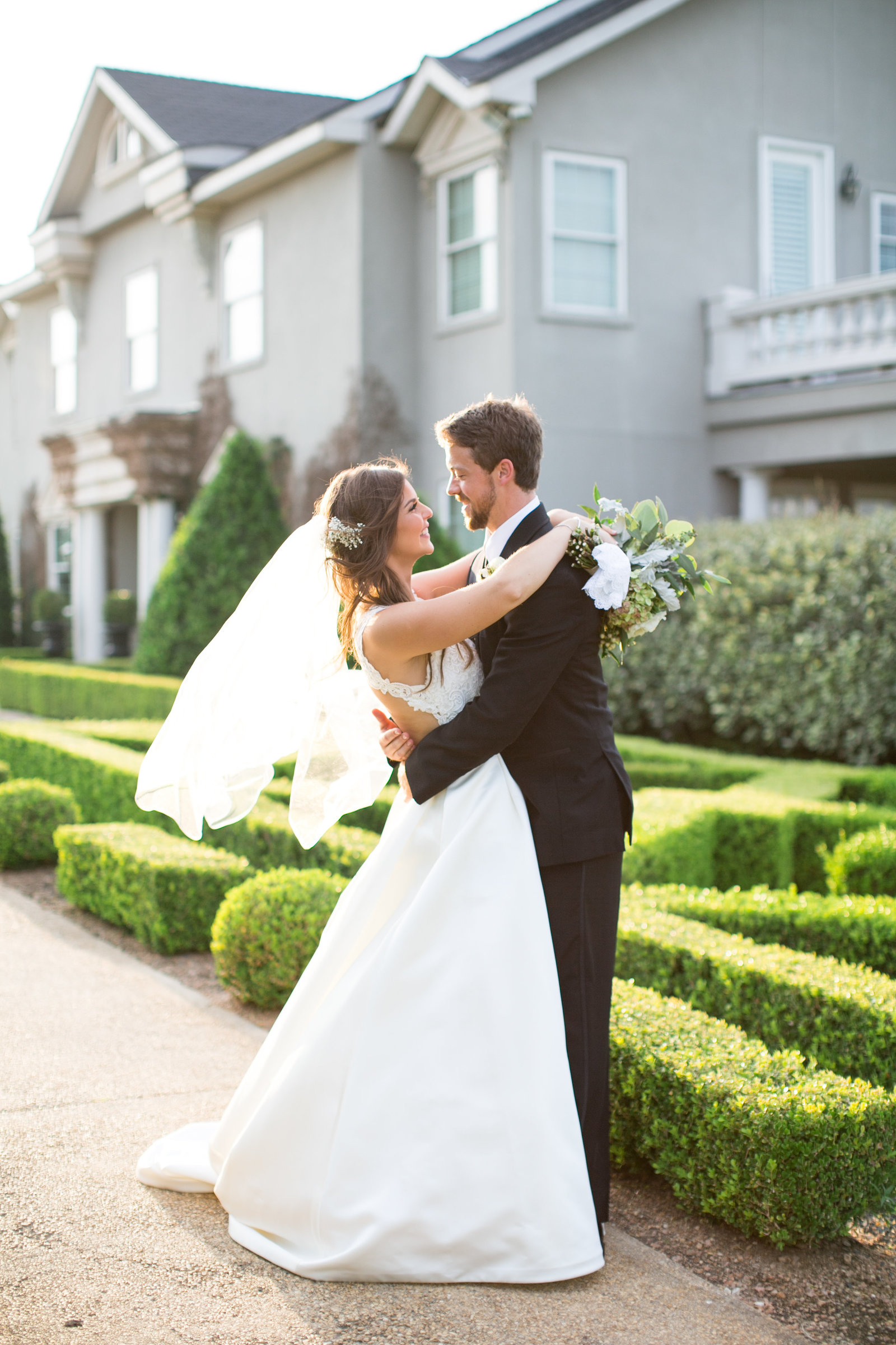 gardens-of-cranesbury-view-canyon-lake-texas-wedding-bride-and-groom-photo-17