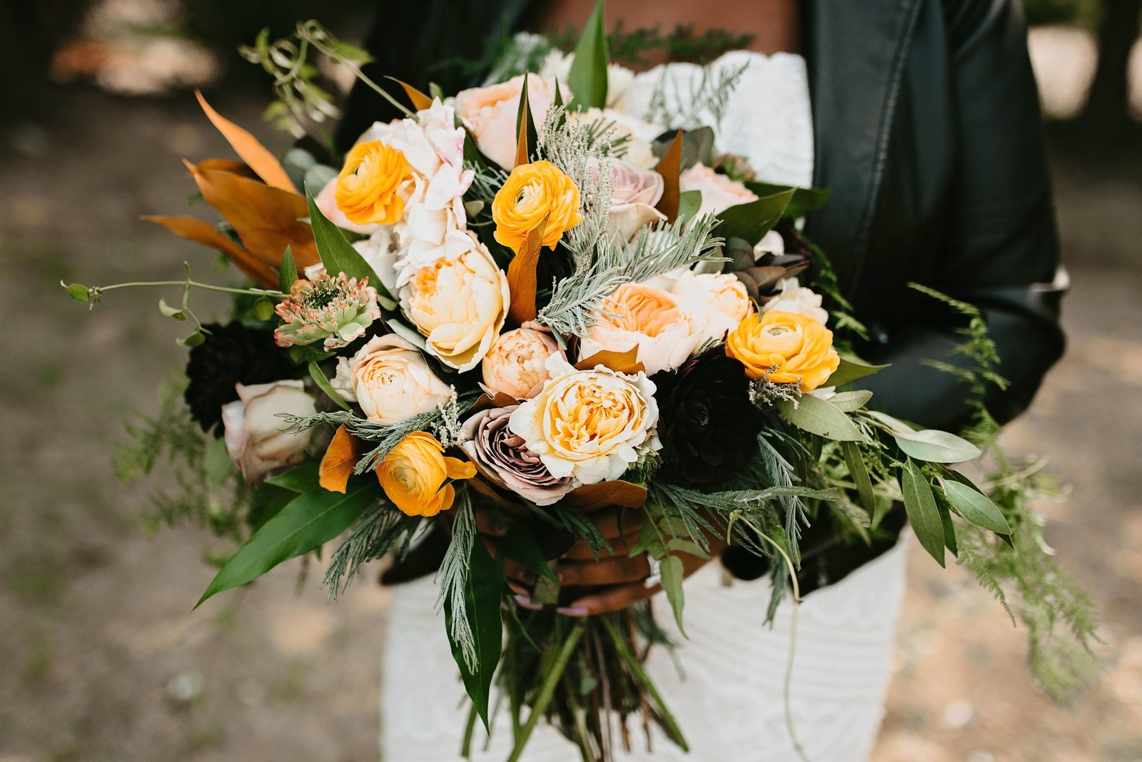 mn industrial wedding organic bouquet-min