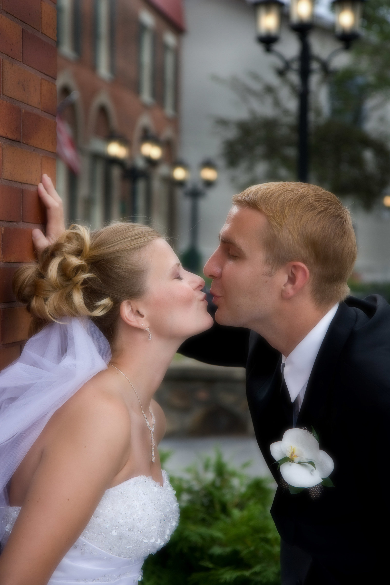 wedding photography bride and groom kiss