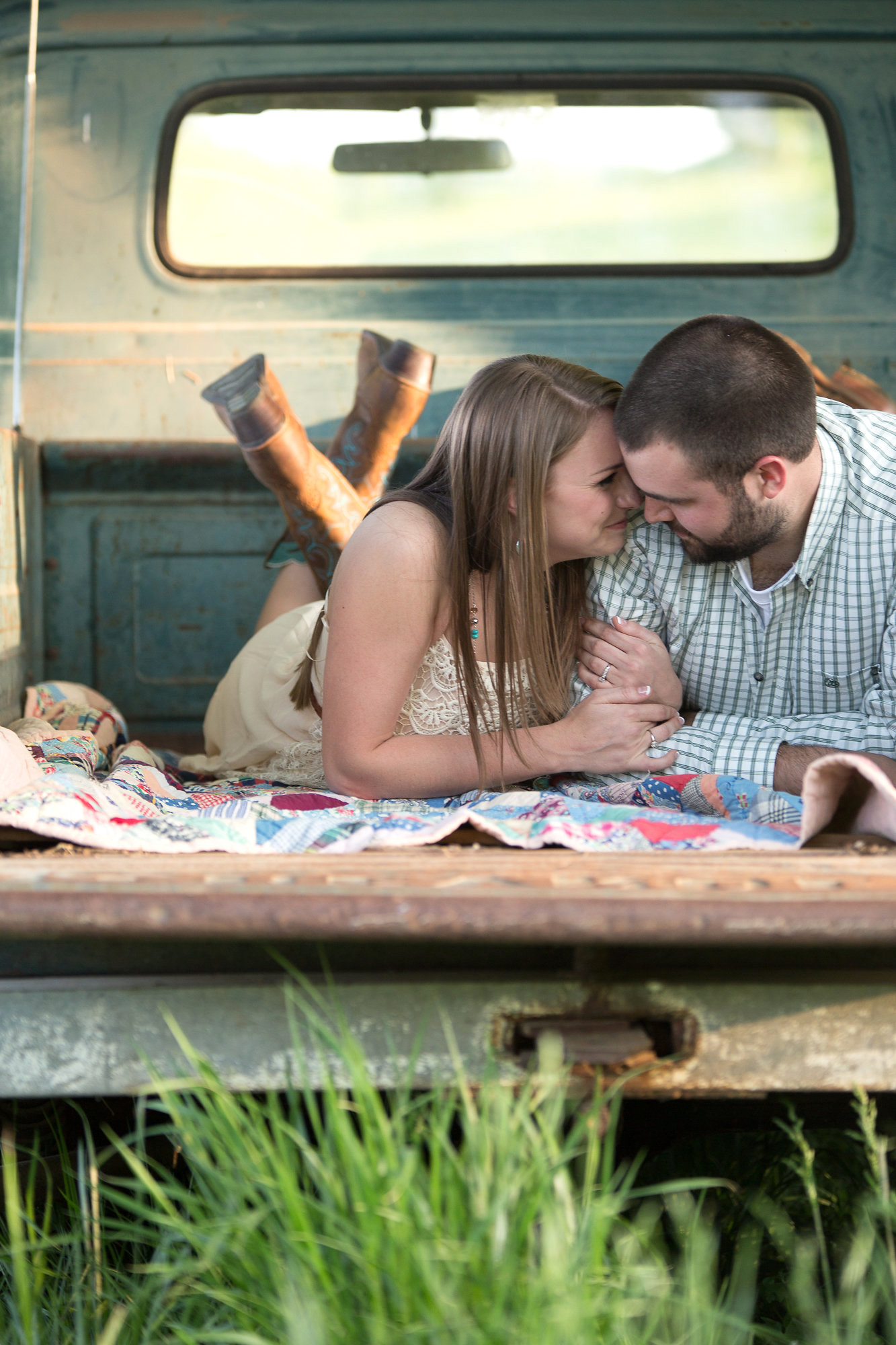Nashville-engagement-photography-country-truck
