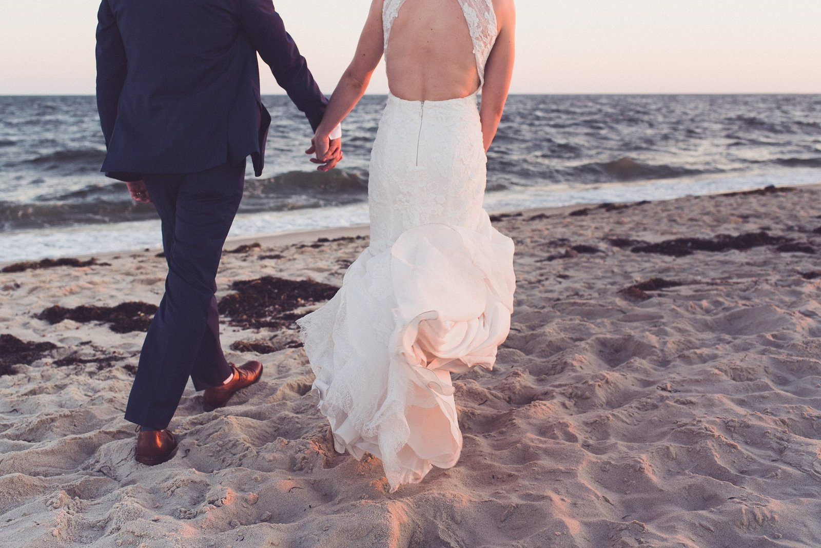 wychmere beach club wedding couple