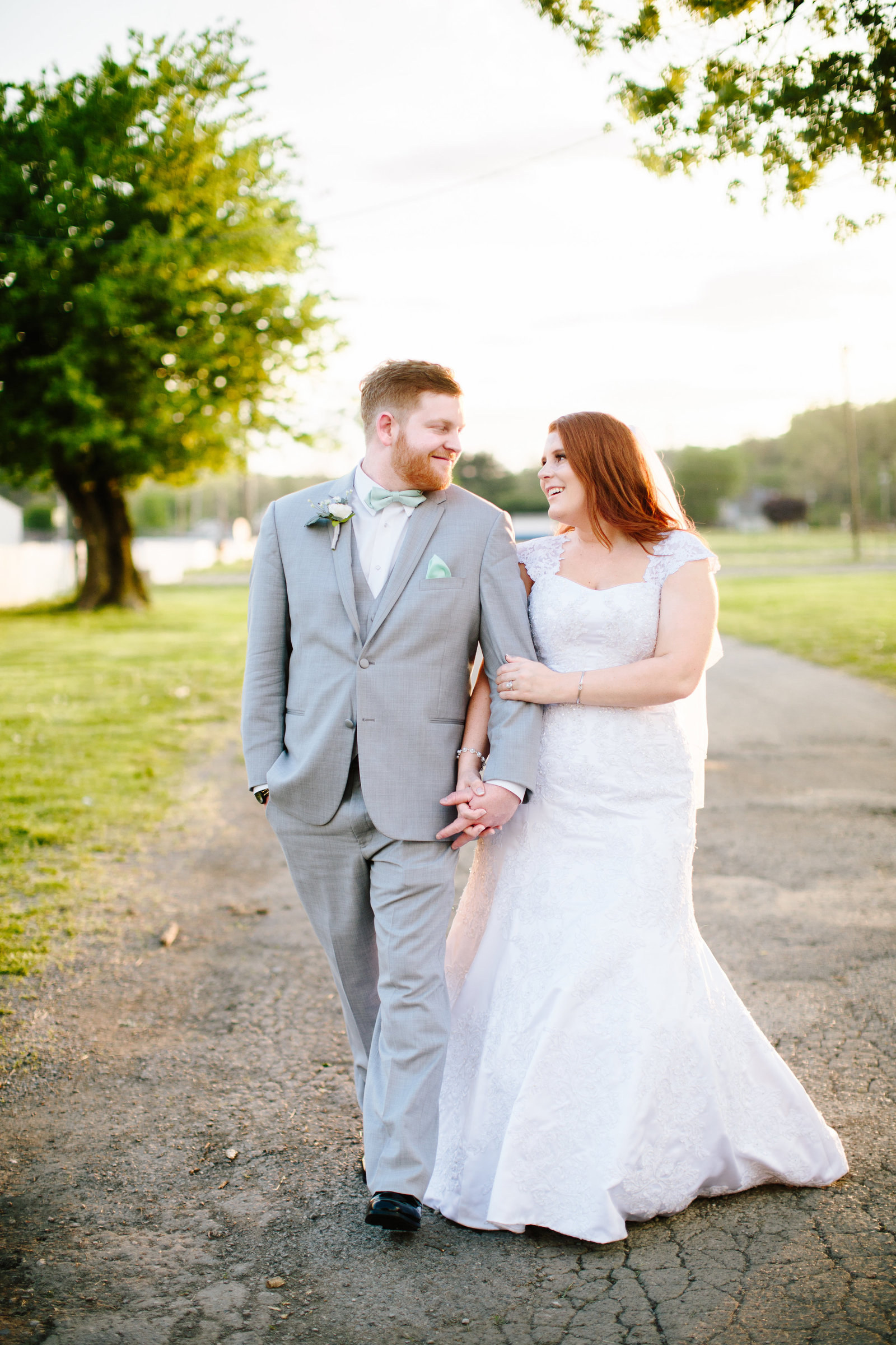 Zanesville Ohio wedding at the fairgrounds by Austin & Rachel Photography
