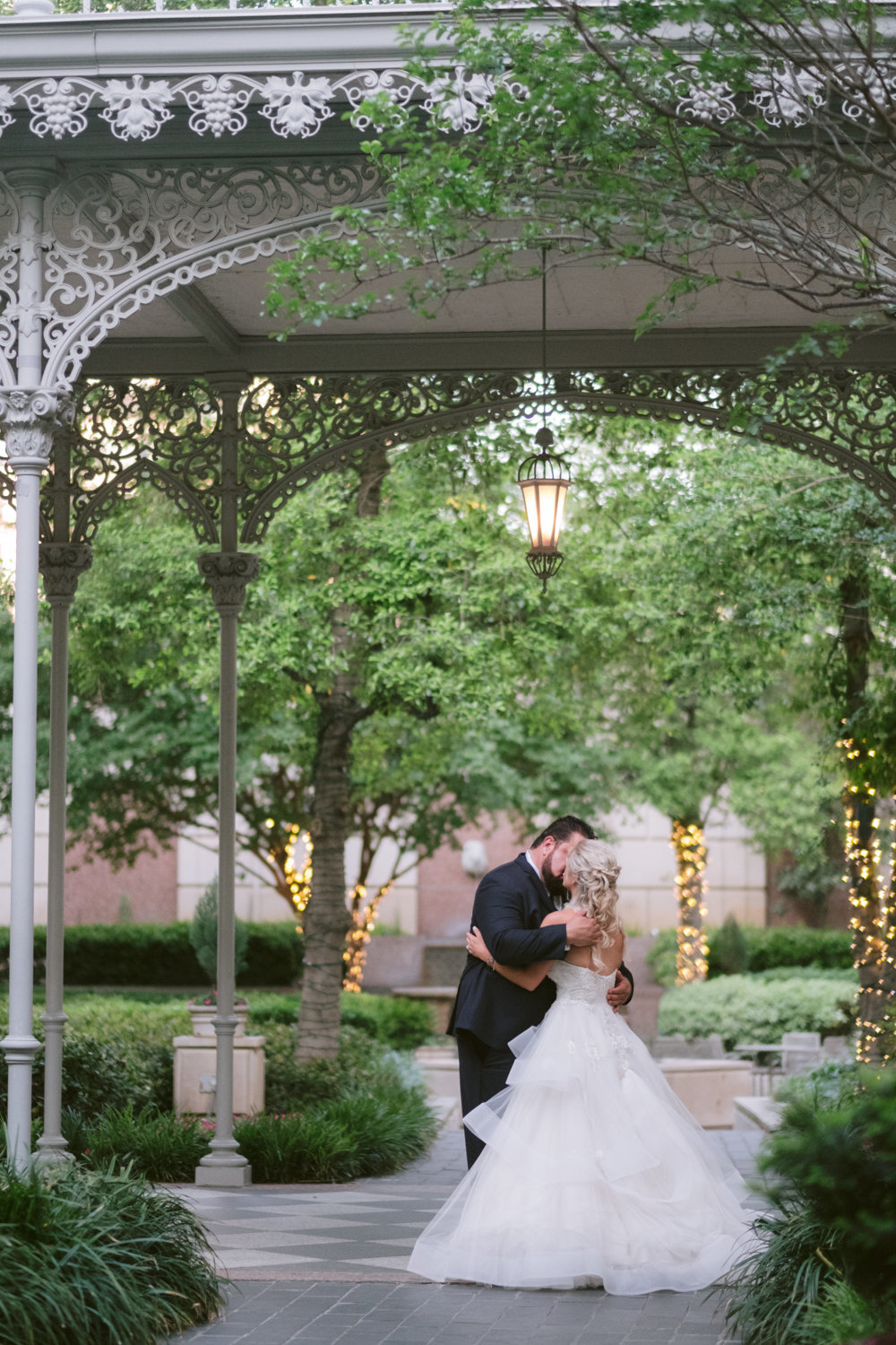 the_crescent_dallas_wedding_photographer_bethany_erin-95