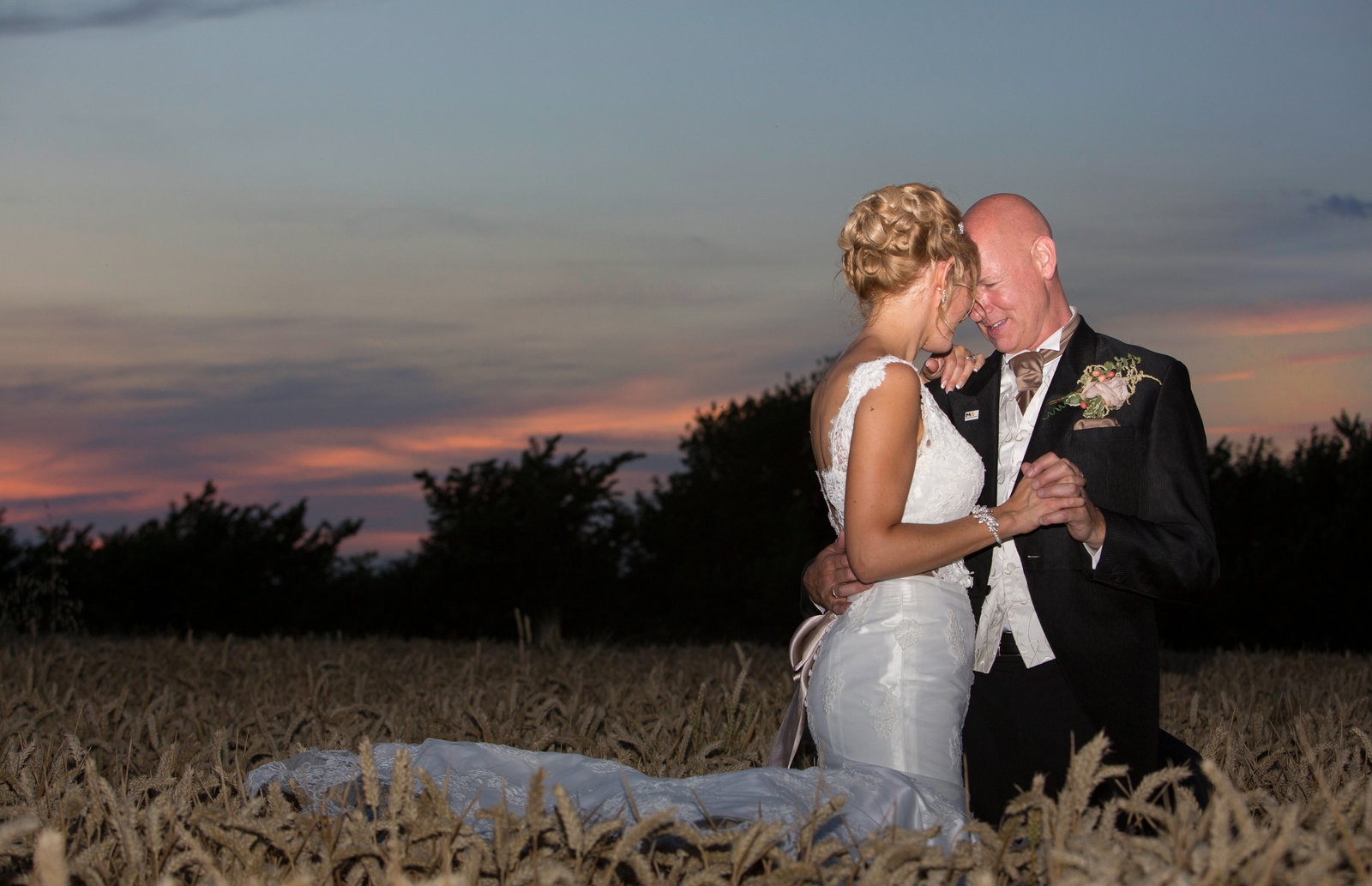 adorlee-0695-southend-barns-wedding-photographer-chichester-west-sussex