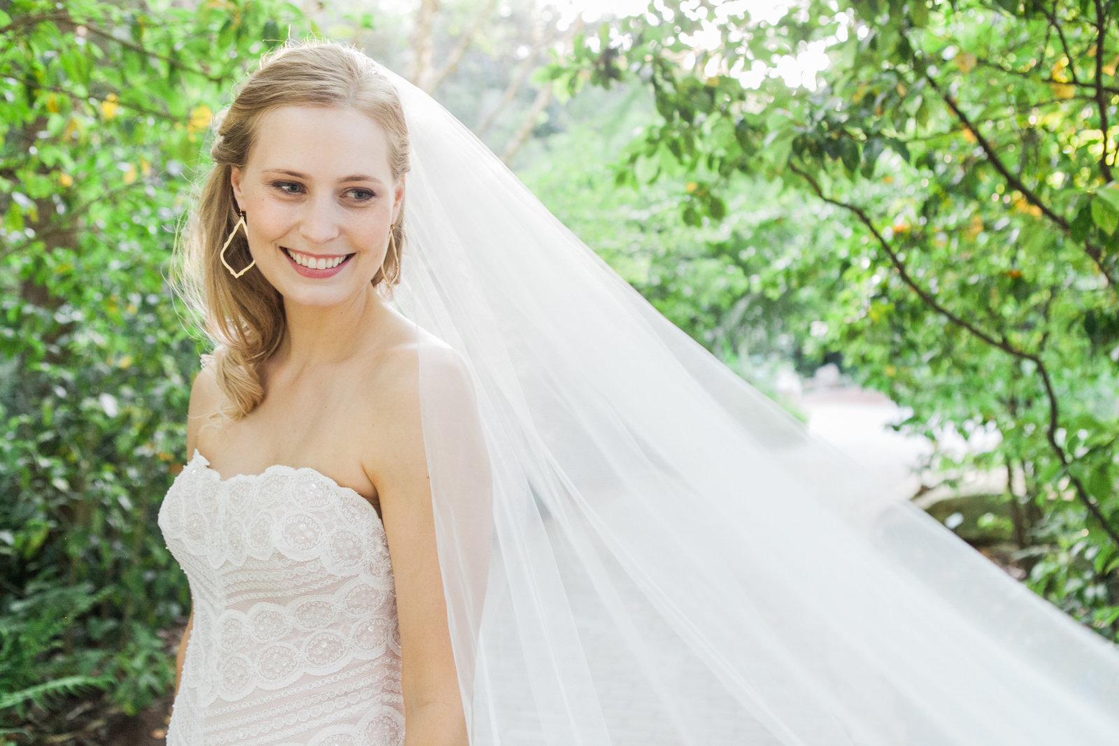 Austin Family Photographer, Tiffany Chapman, bride and veil