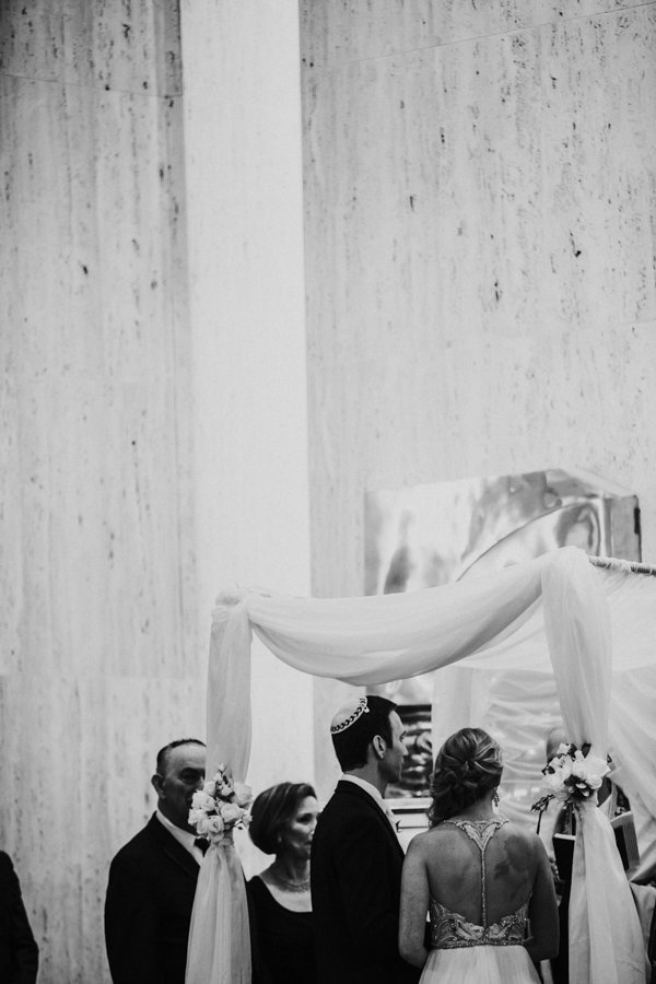 jewish wedding ceremony in wilmington delaware in black and white
