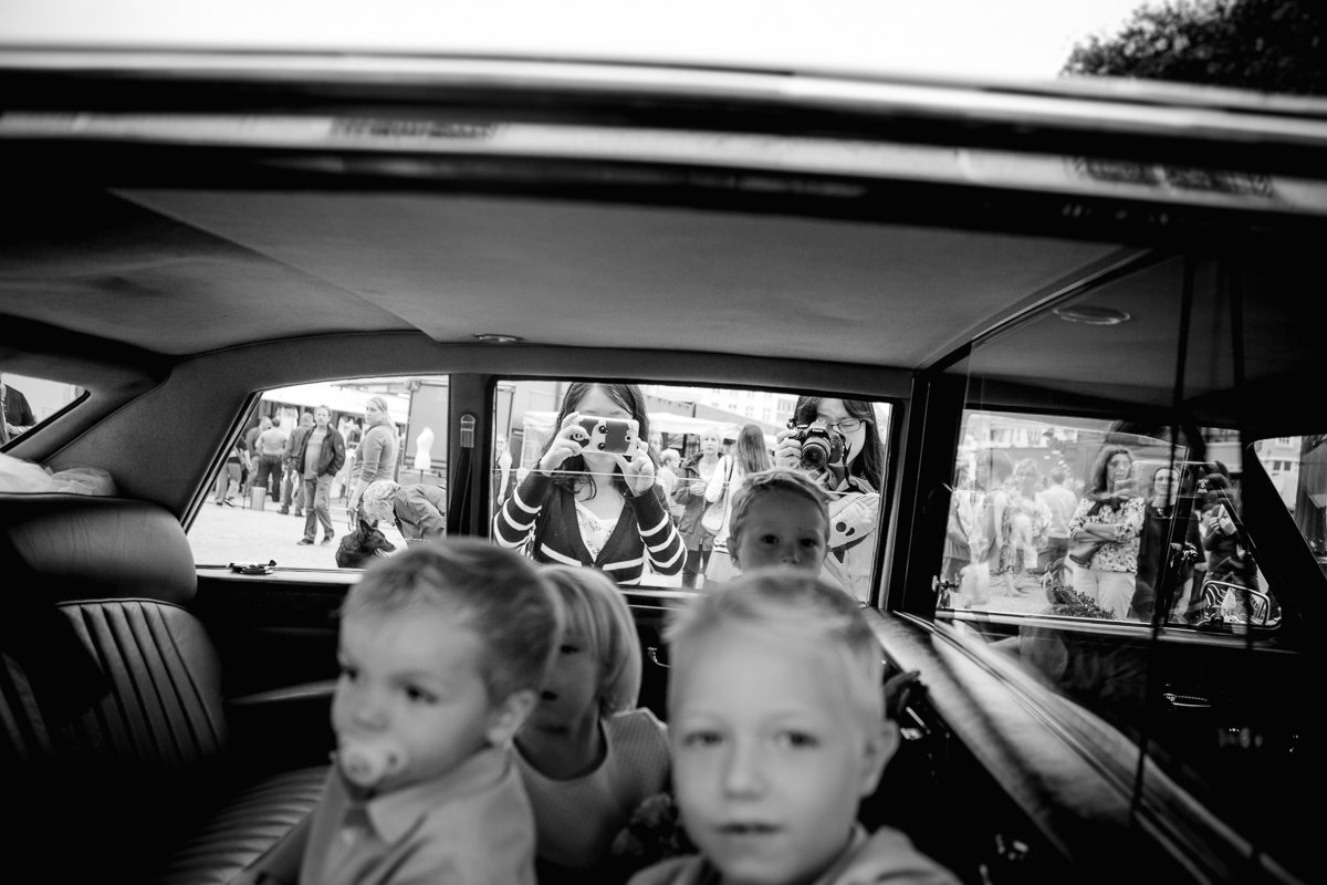gemeentehuis mechelen trouw an katrien en lynn ceremoniewagen kinderen foto