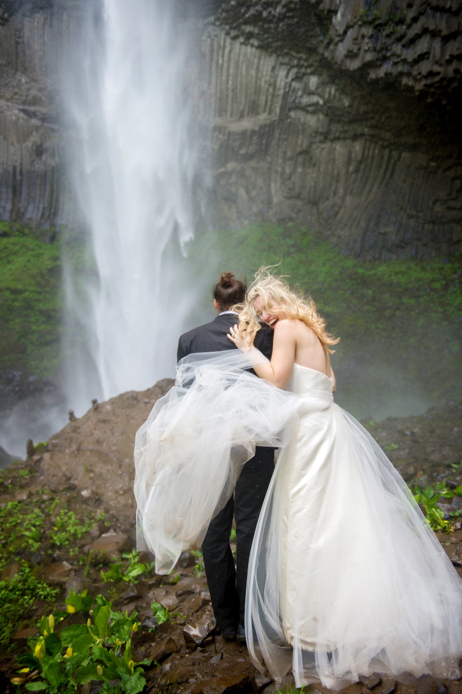Crystal Genes Photography LATOURELL FALLS ELOPEMENT170421-160416