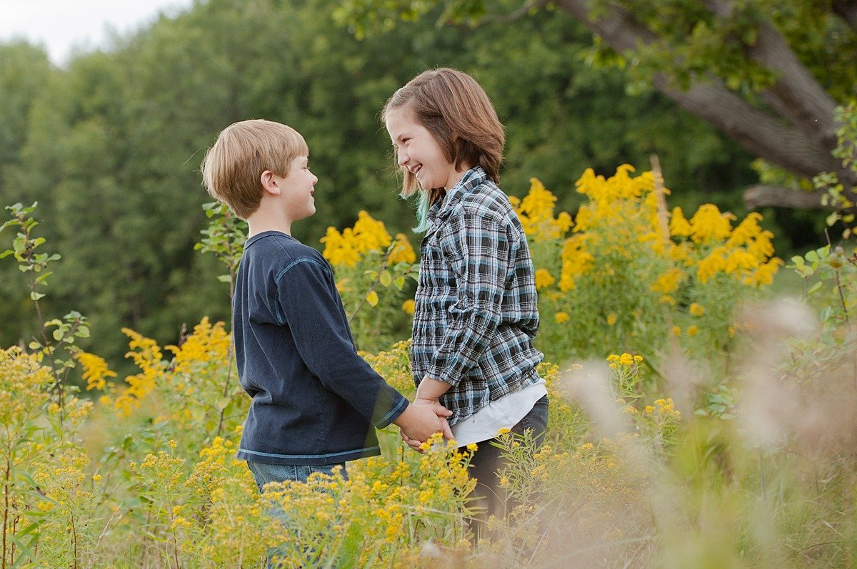 Laura Luft Family Photographer Photography Elba NY  Western NY summer family session fall tall grass golden rod brother sister-43