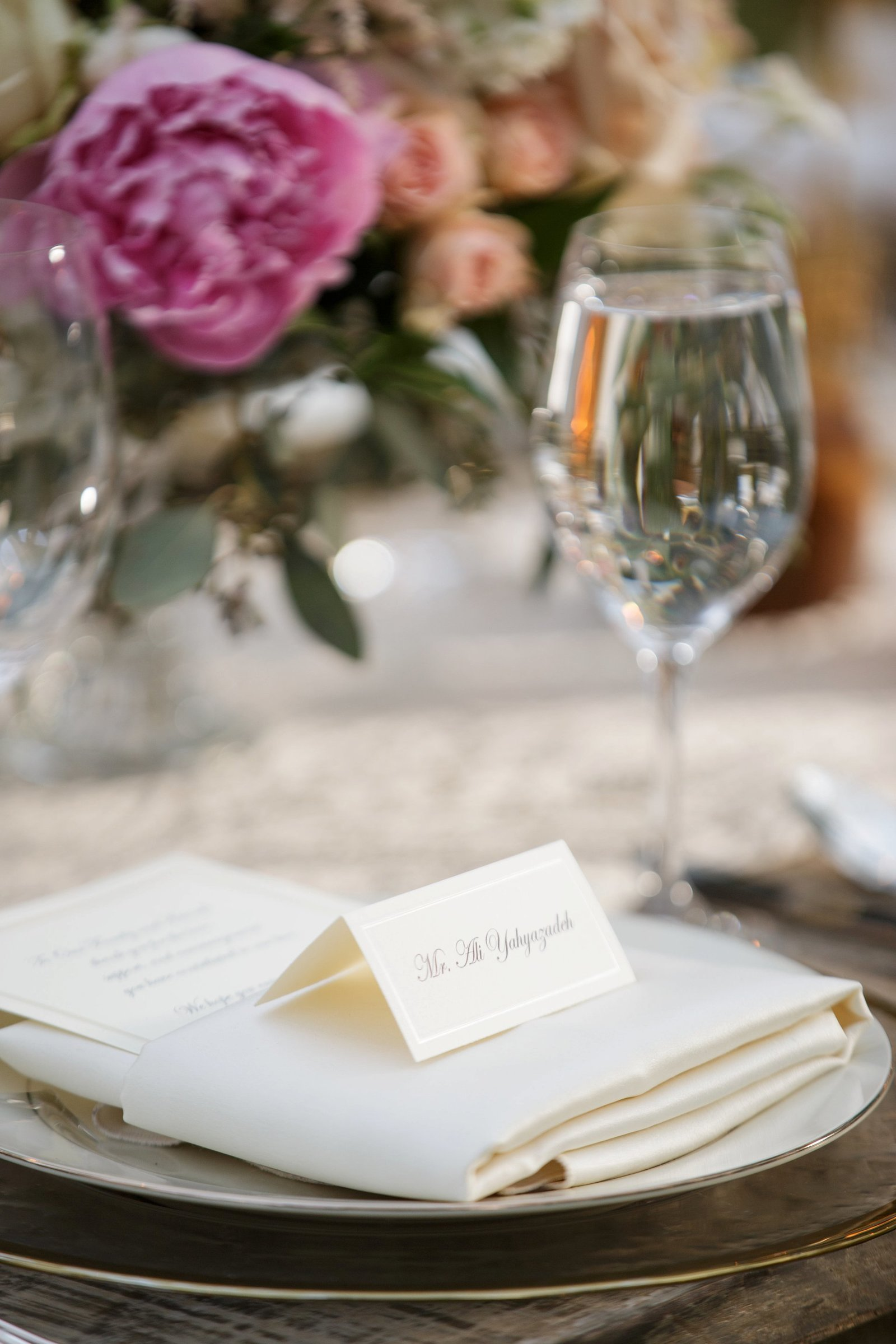 gorgeous-wedding-table-setting