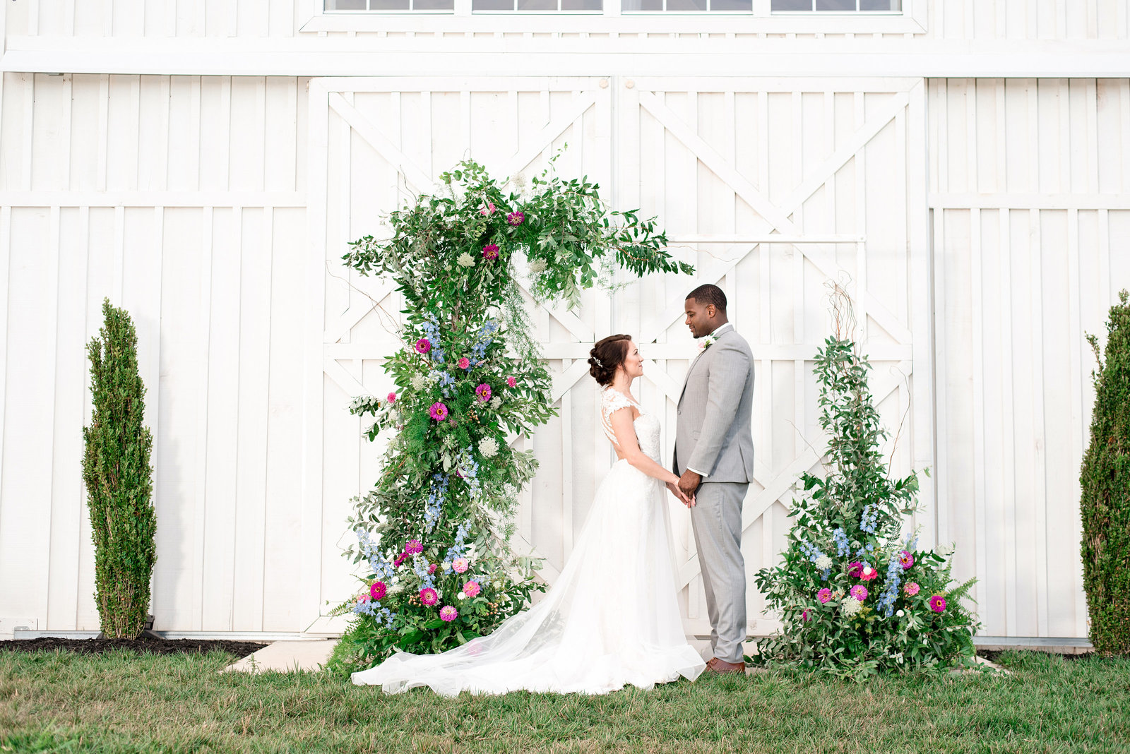 Ivory-Door-Studio-White-Dove-Barn-Wedding-0005
