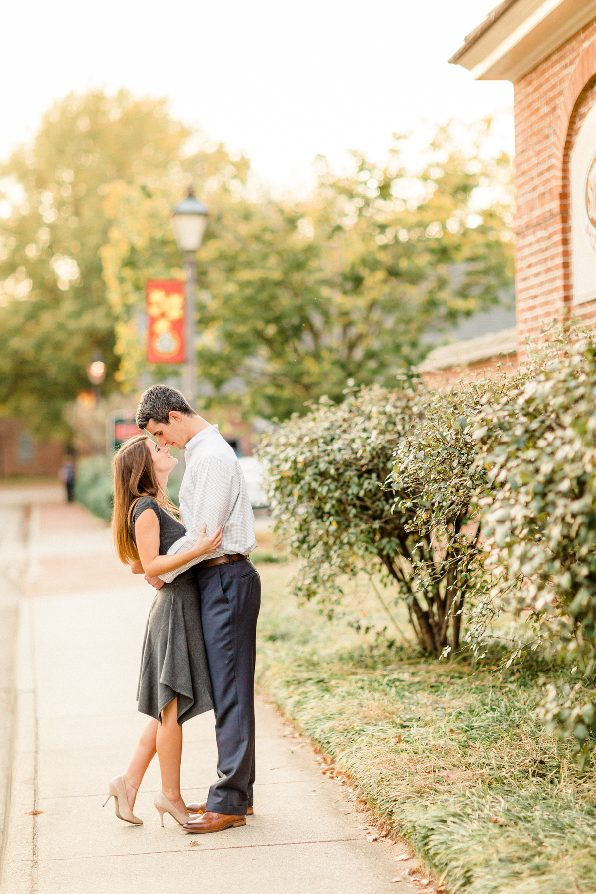 i-prettiest-williamsburg-engagement-photo