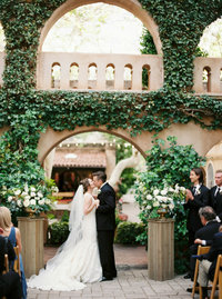 fine art sedona wedding at Tlaquepaque