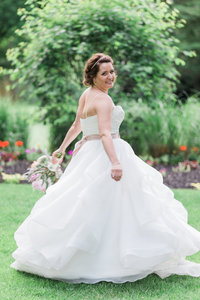 summer wedding kitchener ontario bride in lavendar field