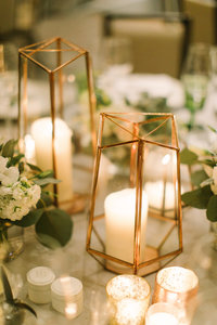 Langham Chicago Wedding WIth Elevated Centerpieces_27