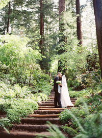 Nestldown wedding in redwoods with Ginny Au fine art wedding