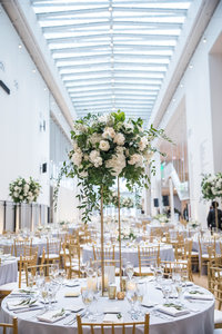 Art Institute of Chicago Wedding in Griffin Court_111
