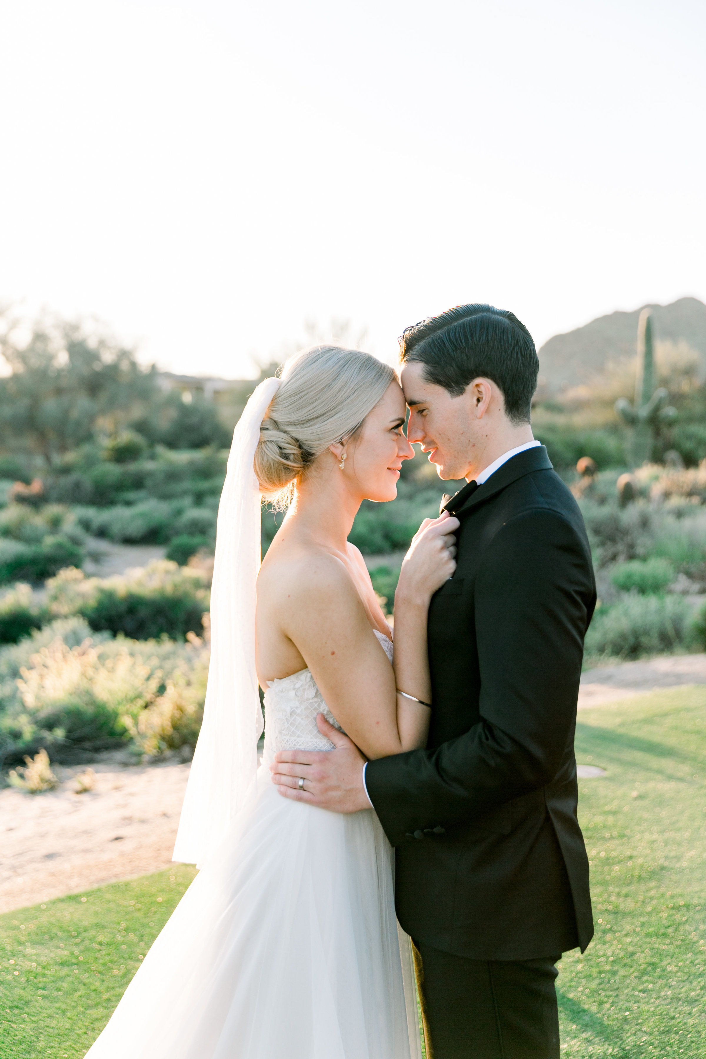 Karlie Colleen Photography - Arizona Wedding at The Troon Scottsdale Country Club - Paige & Shane -650