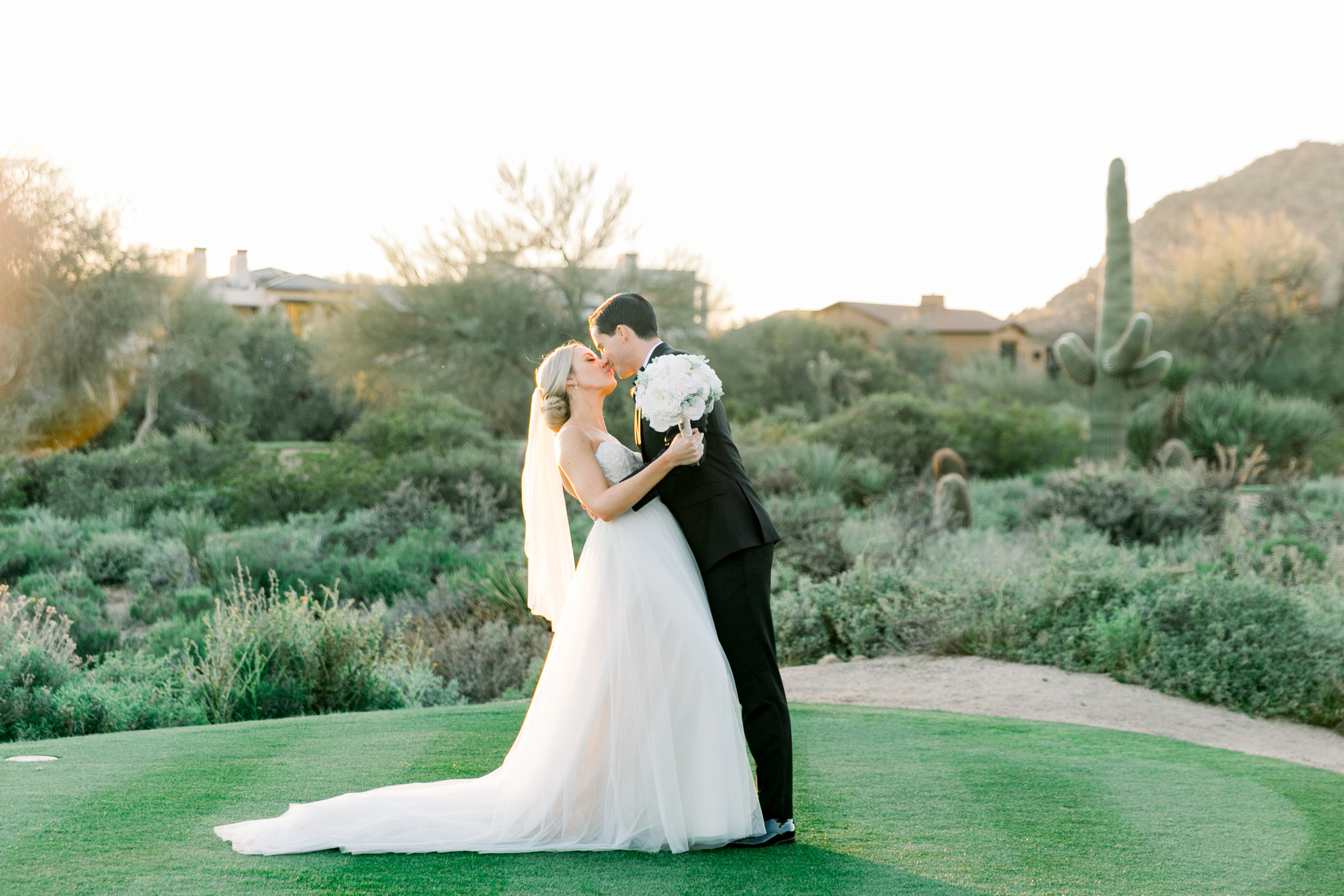 Karlie Colleen Photography - Arizona Wedding at The Troon Scottsdale Country Club - Paige & Shane -698