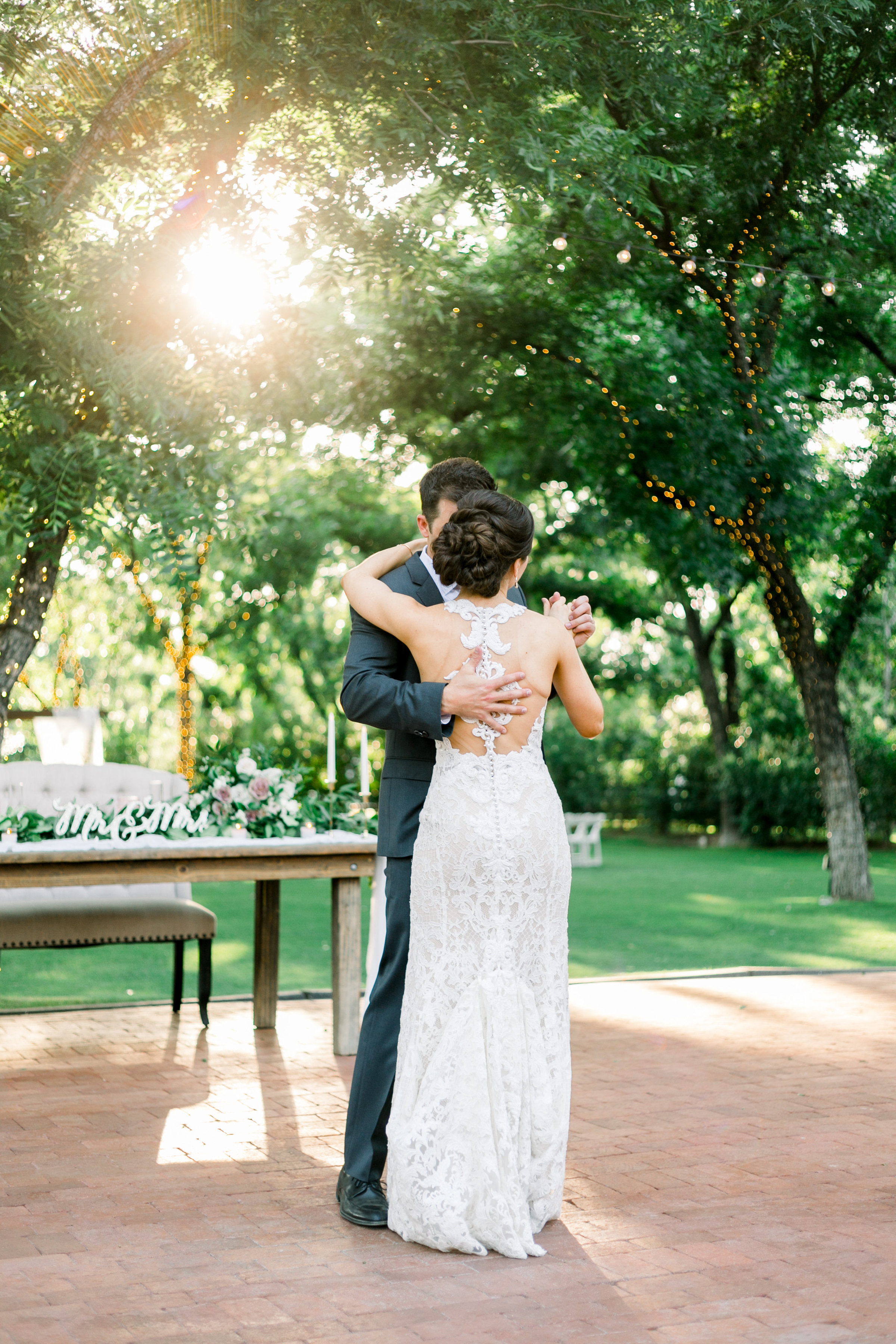 Karlie Colleen Photography - Venue At The Grove - Arizona Wedding - Maggie & Grant -99