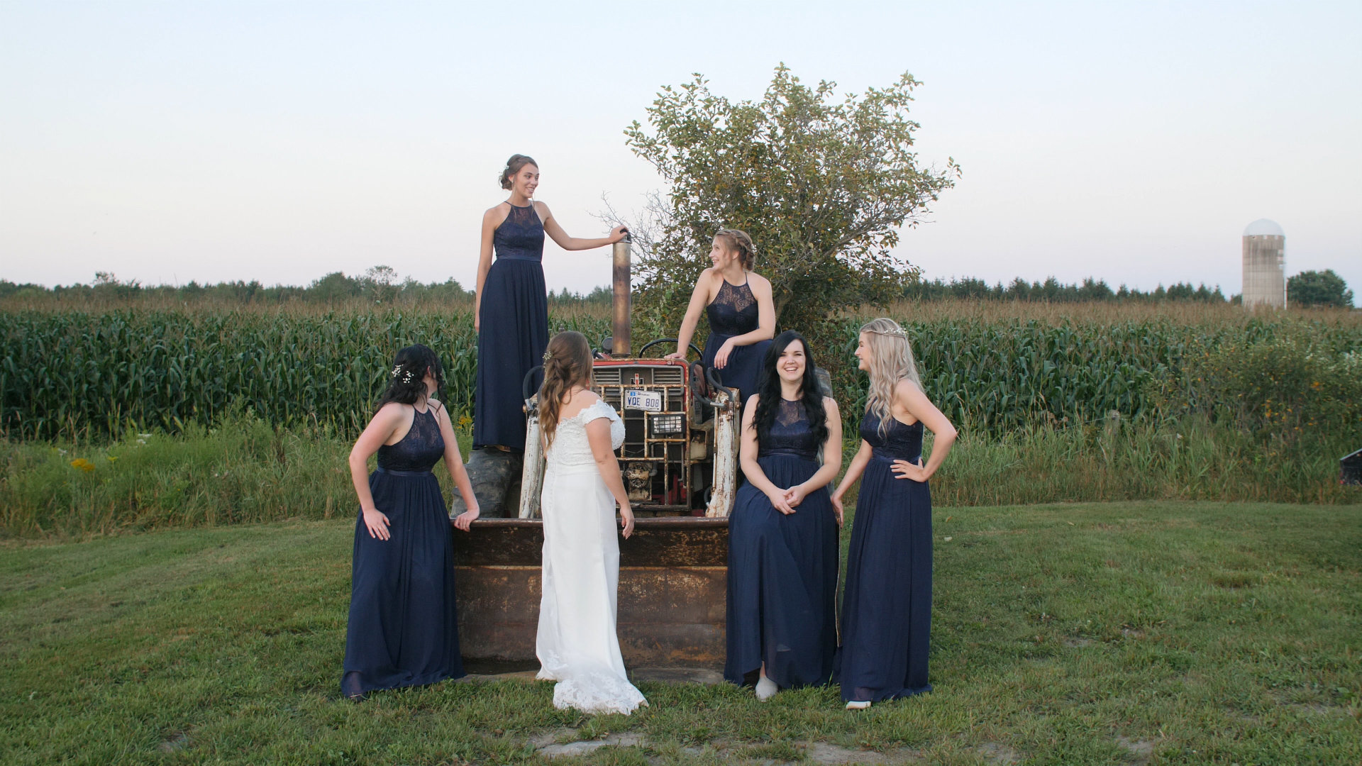 bridal party, fun bride, quebec wedding