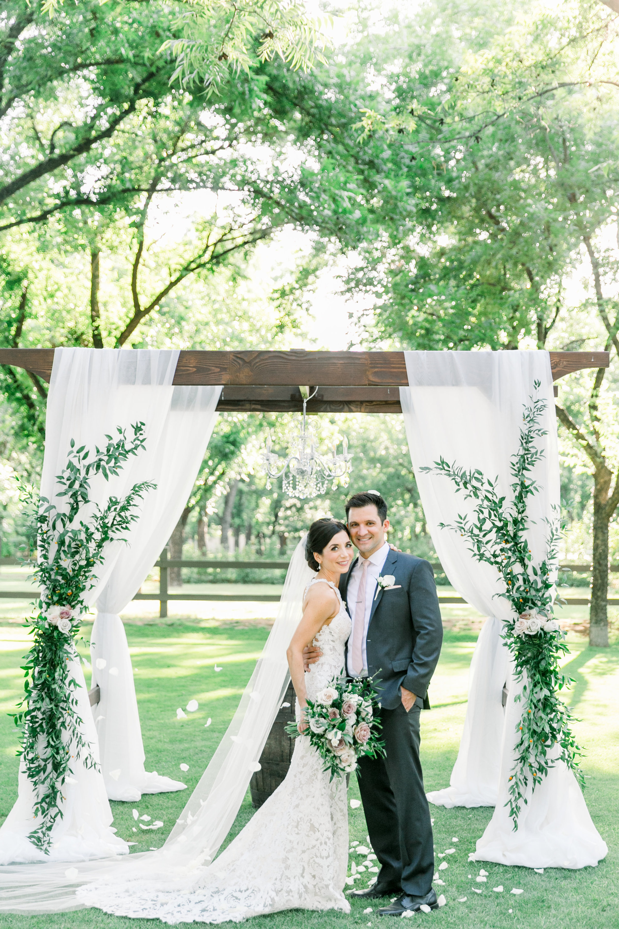 Karlie Colleen Photography - Venue At The Grove - Arizona Wedding - Maggie & Grant -73