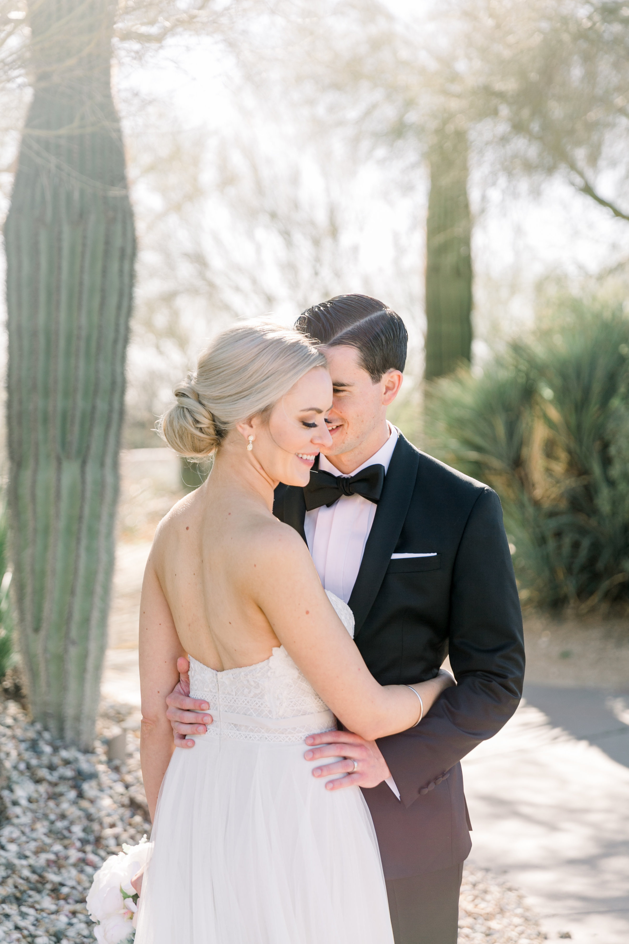 Karlie Colleen Photography - Arizona Wedding at The Troon Scottsdale Country Club - Paige & Shane -207