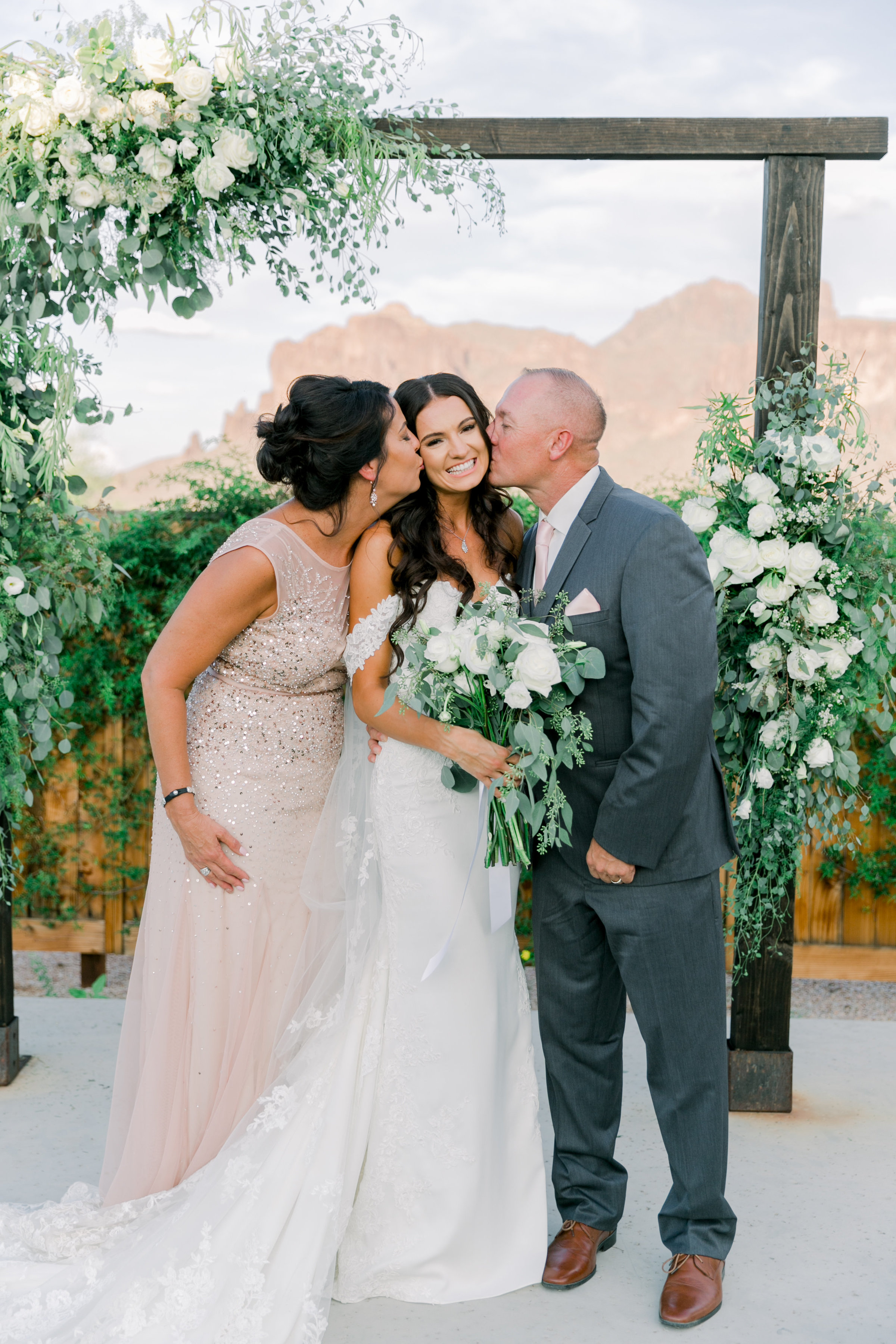 Karlie Colleen Photography - The Paseo Arizona Desert Wedding - Jackie & Ryan-113