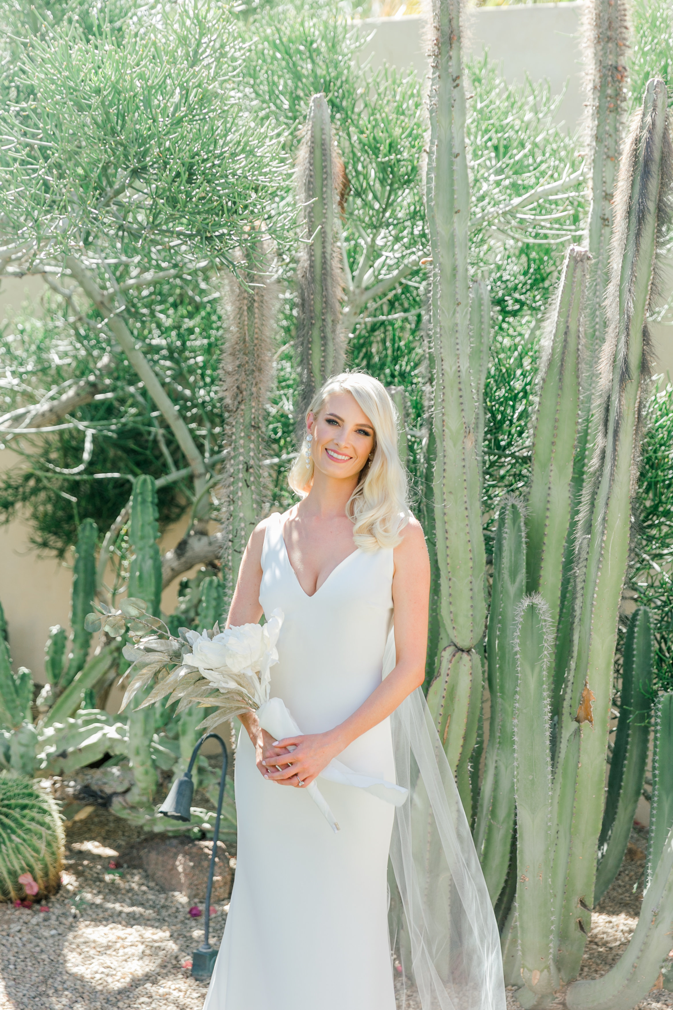 Karlie Colleen Photography - Arizona Wedding - Royal Palms Resort- Alex & Alex-58