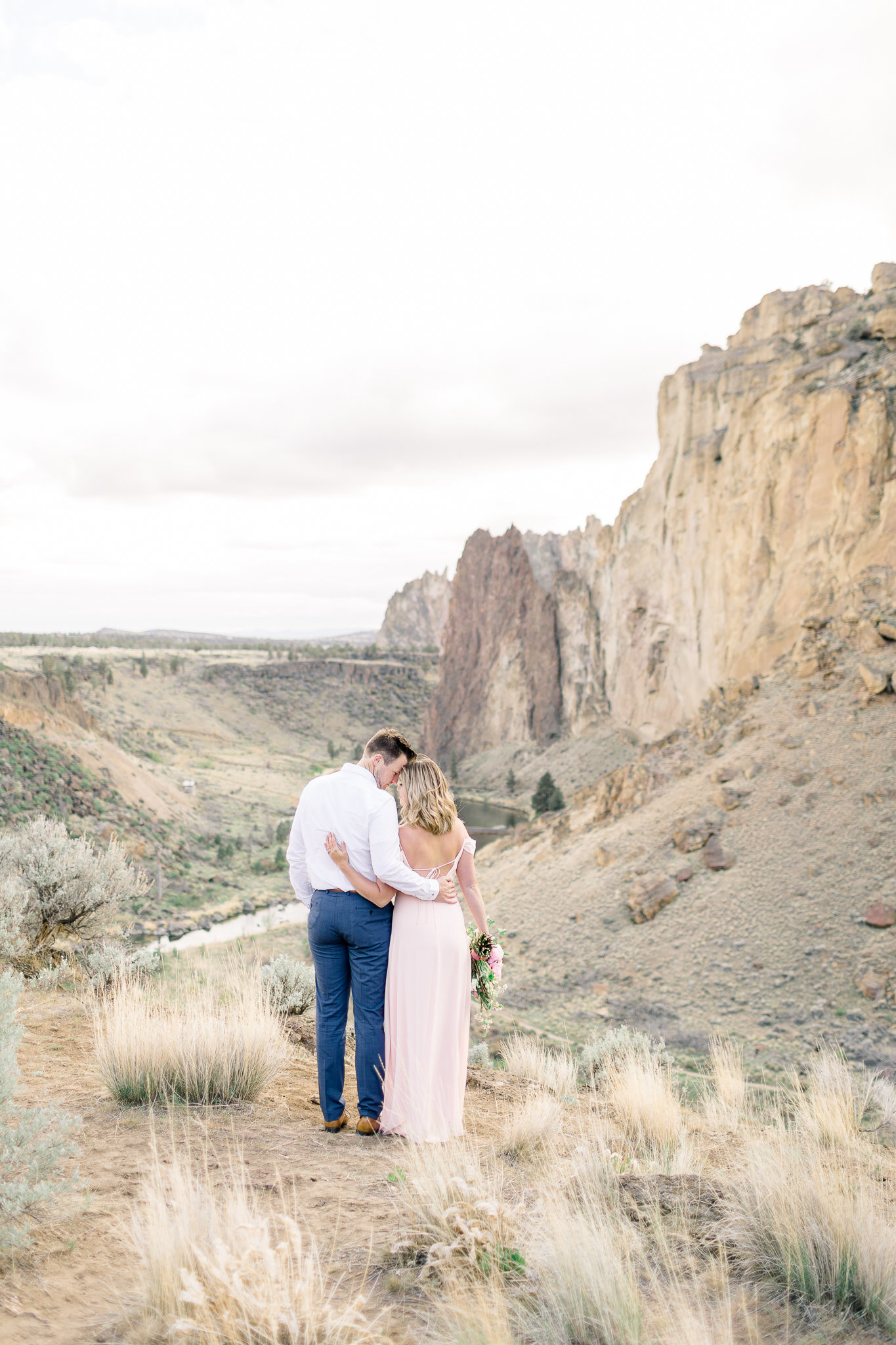 photographe-seance-anniversaire-de-mariage-smith-rock-state-park-oregon-lisa-renault-photographie-wedding-anniversary-session-photographer-26