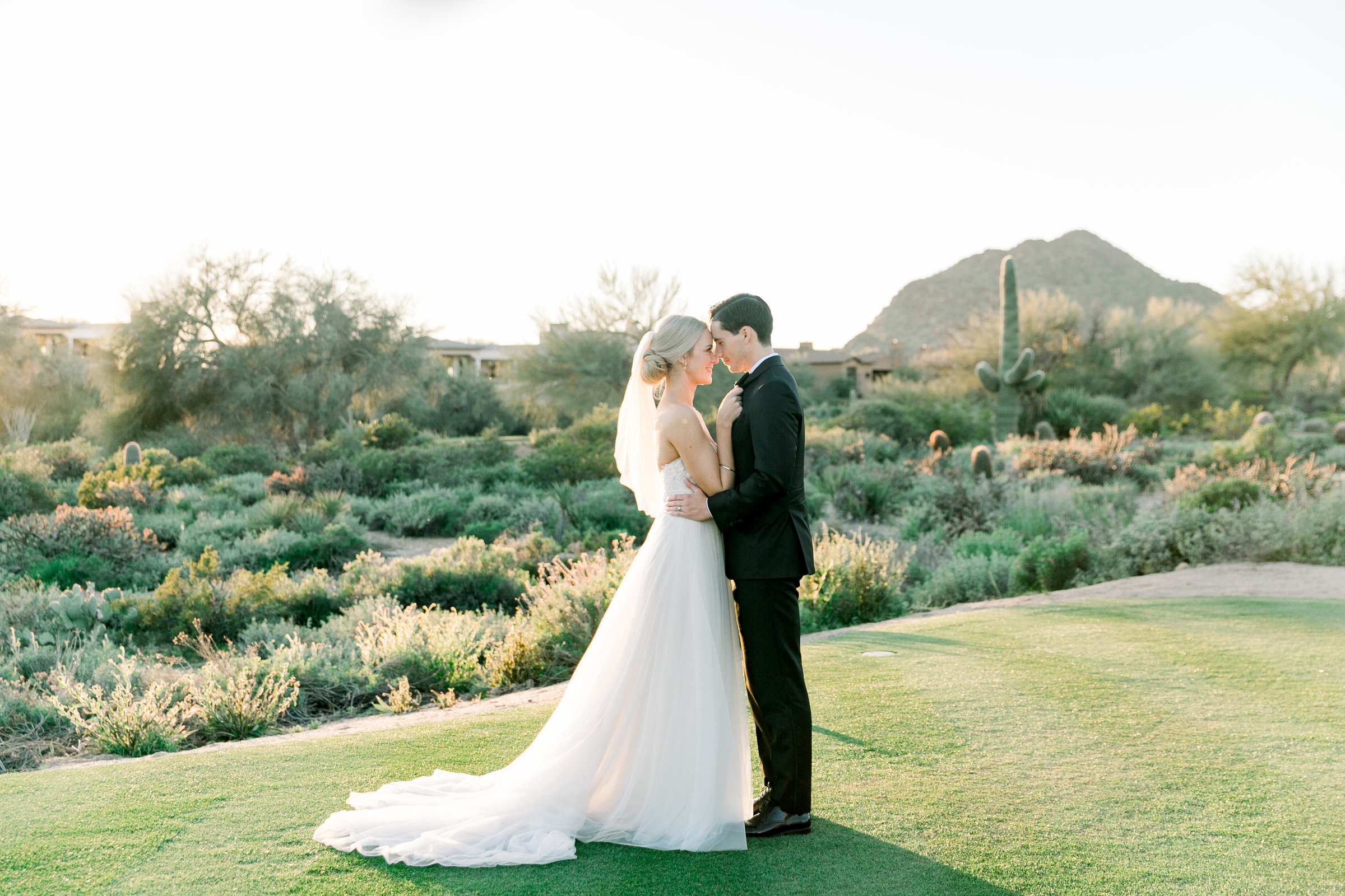 Karlie Colleen Photography - Arizona Wedding at The Troon Scottsdale Country Club - Paige & Shane -647