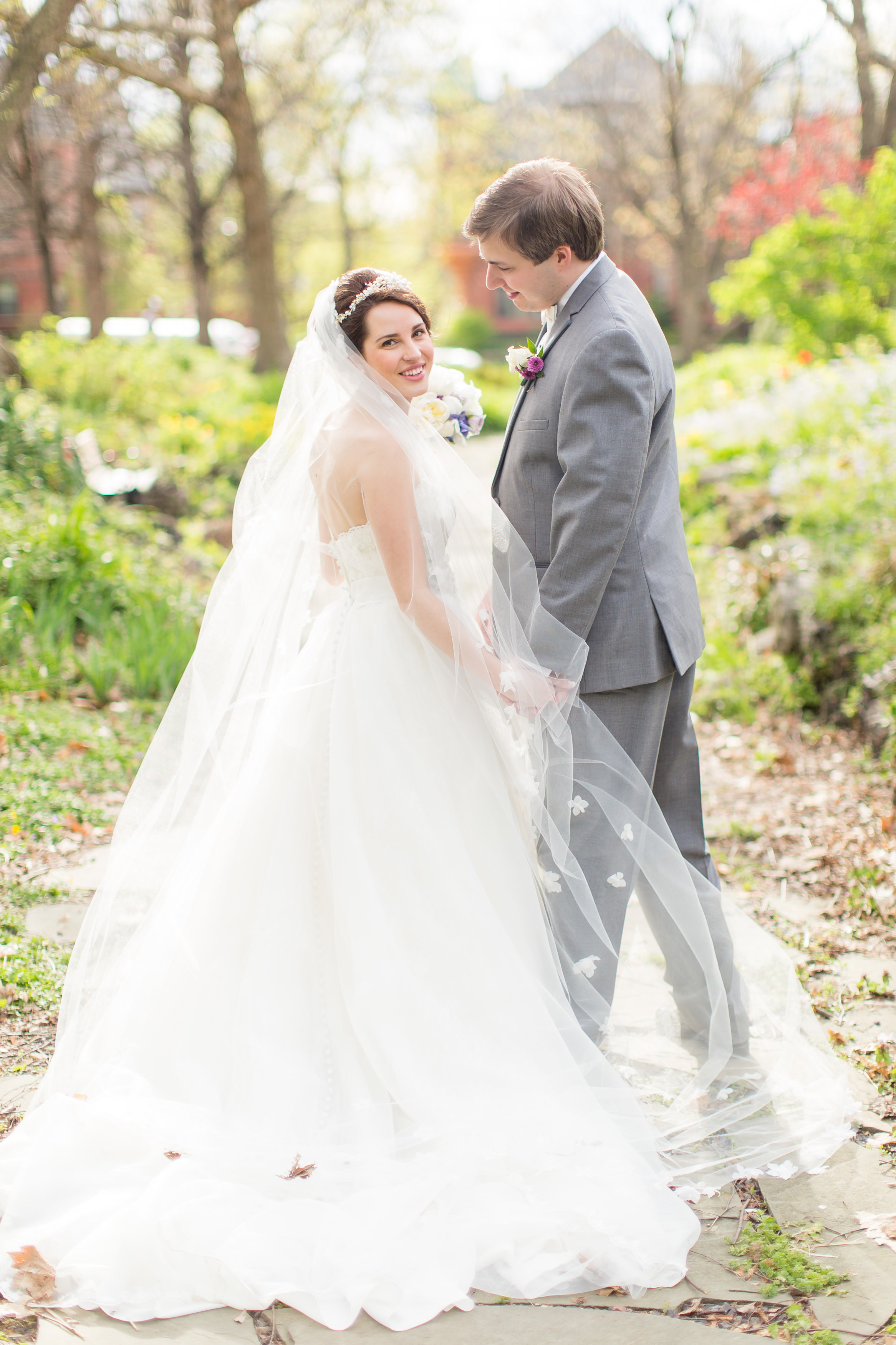 #STLBRIDE St. Louis Wedding Photog