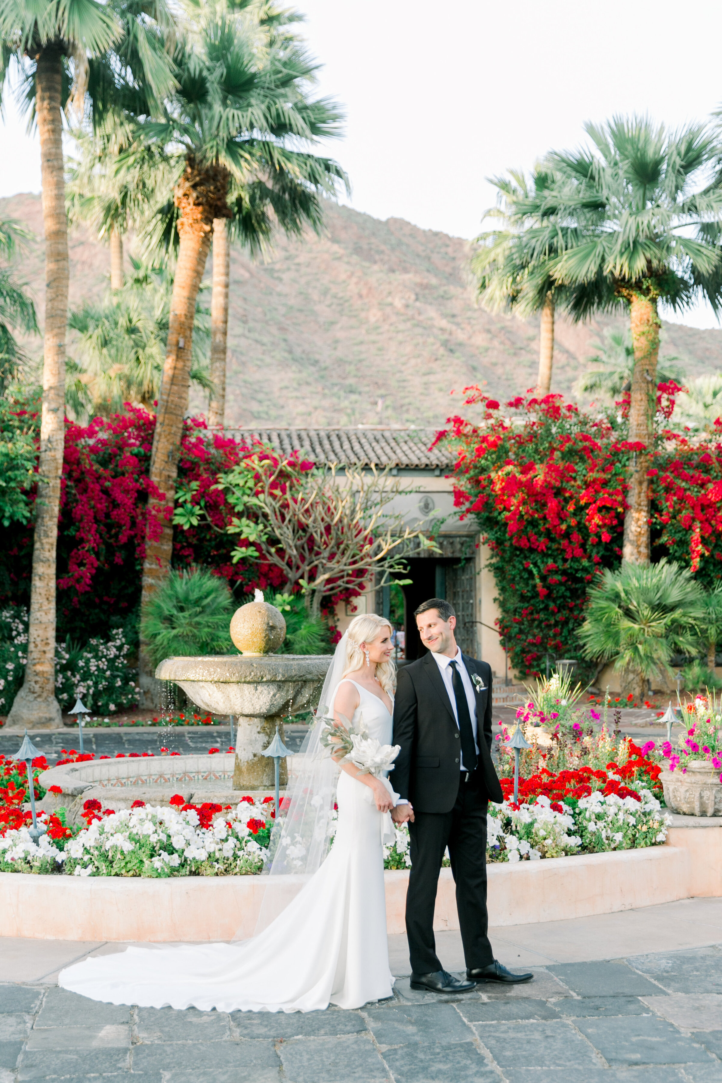 Karlie Colleen Photography - Arizona Wedding - Royal Palms Resort- Alex & Alex-160