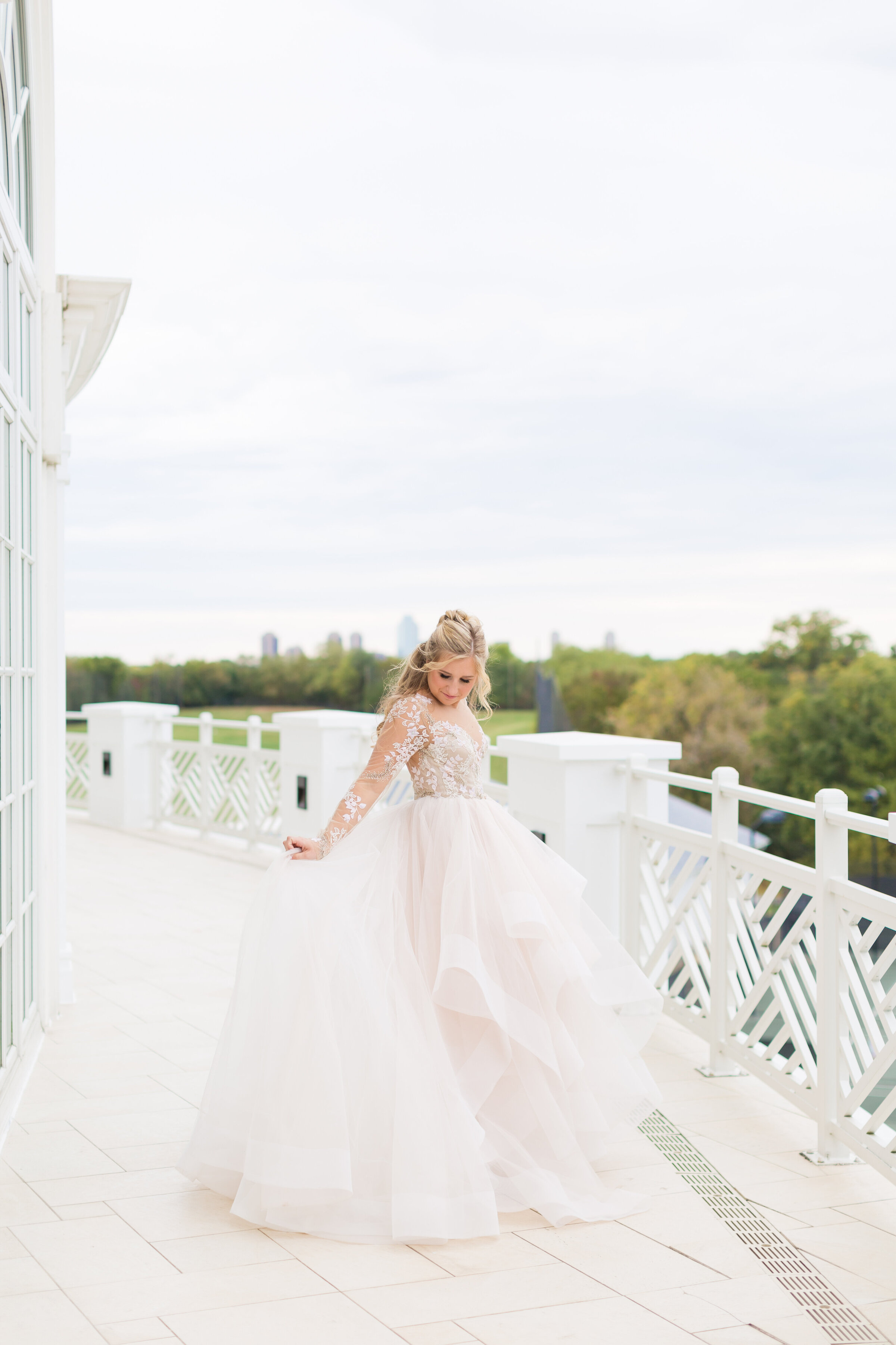 kirbykphotography_hayleypaigeweddingdress-1-2