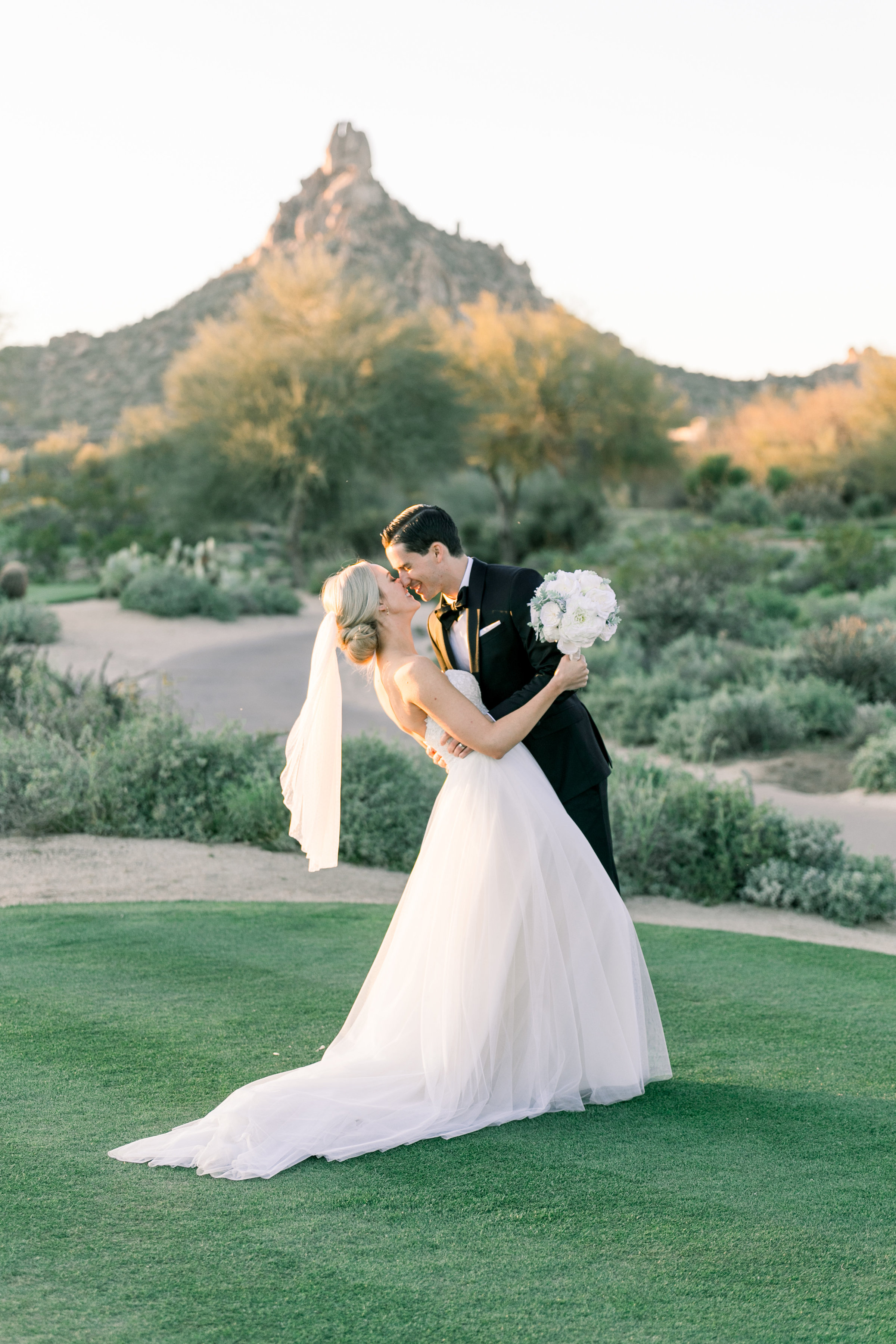 Karlie Colleen Photography - Arizona Wedding at The Troon Scottsdale Country Club - Paige & Shane -740