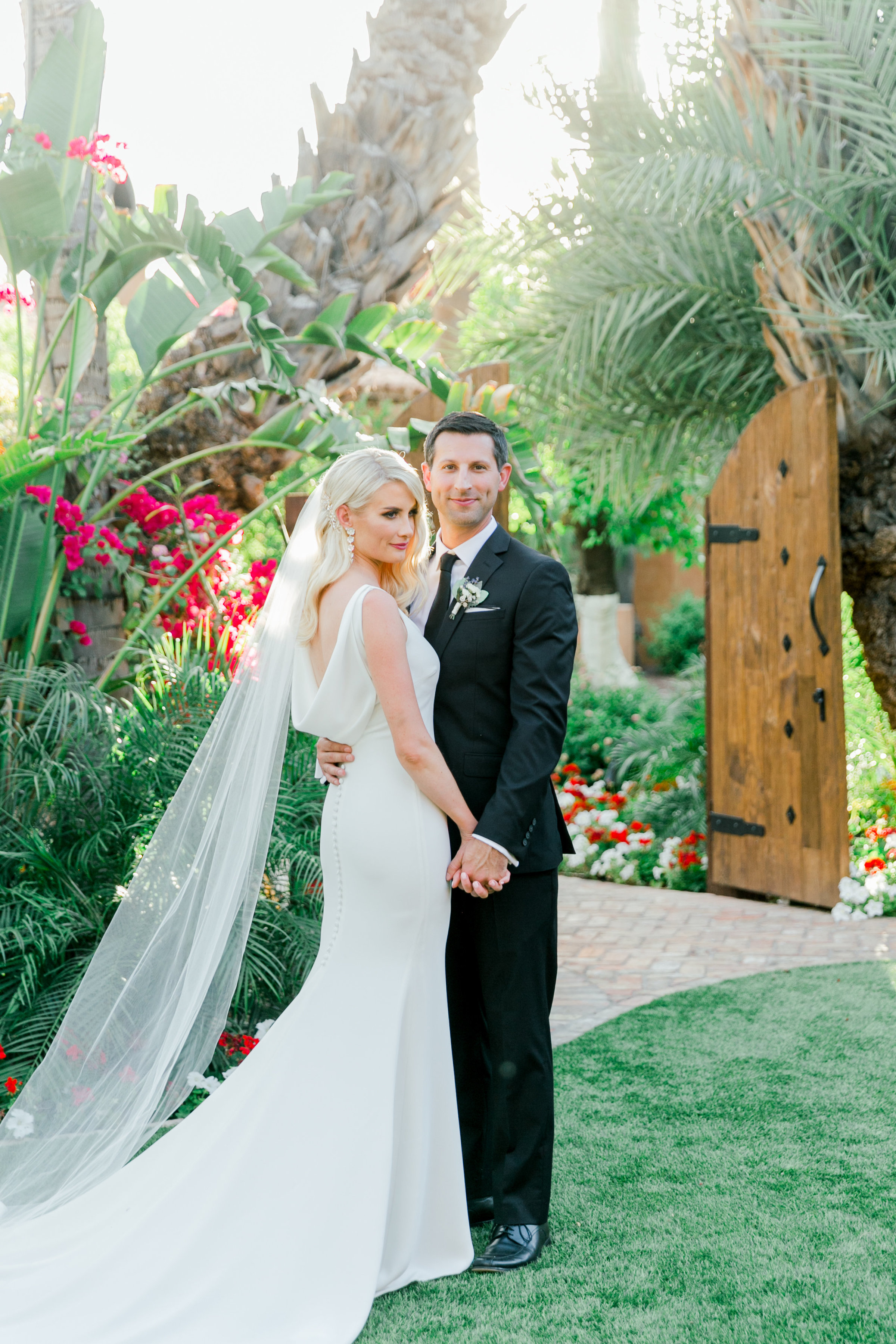 Karlie Colleen Photography - Arizona Wedding - Royal Palms Resort- Alex & Alex-127