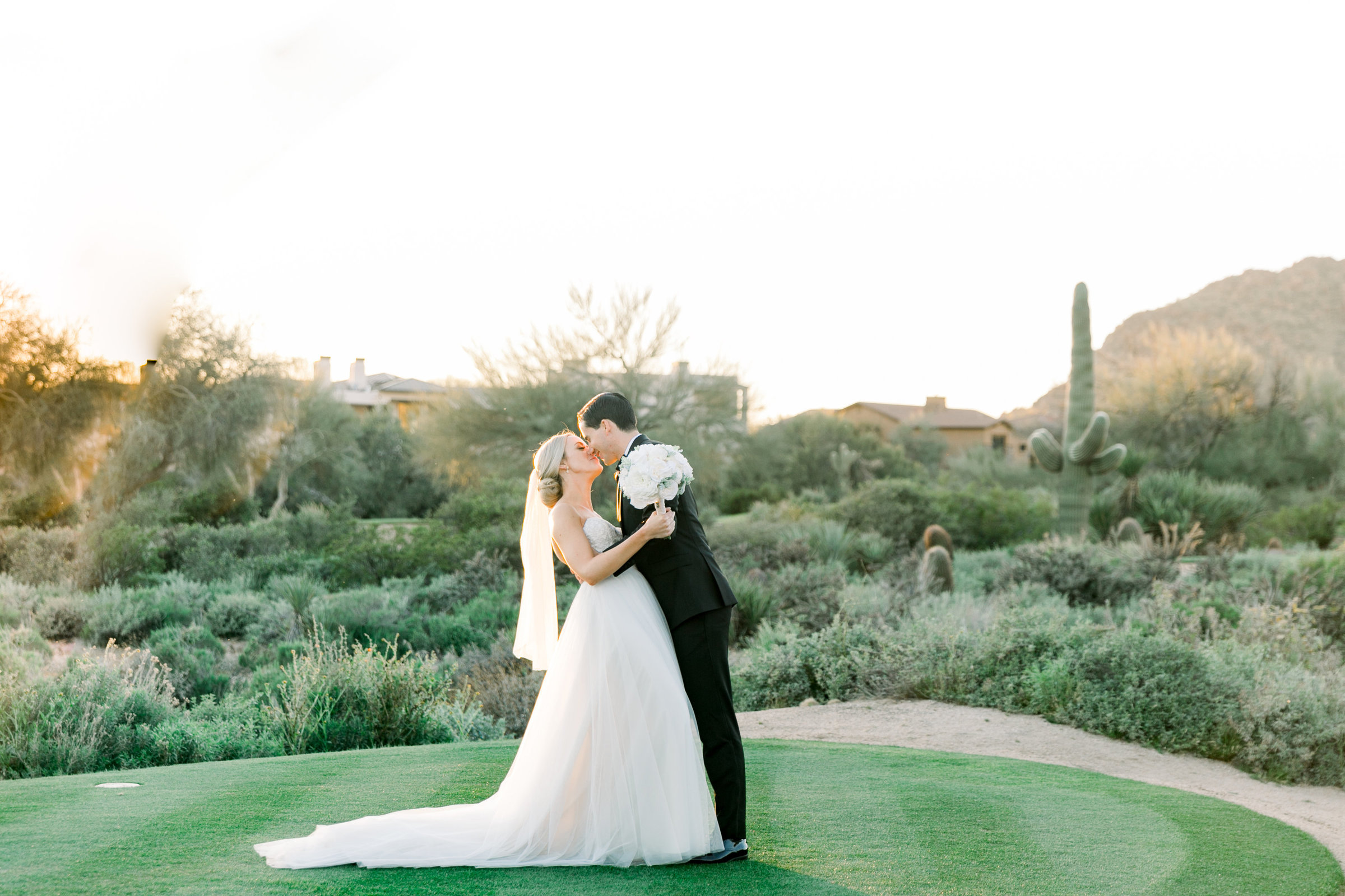 Karlie Colleen Photography - Arizona Wedding at The Troon Scottsdale Country Club - Paige & Shane -697